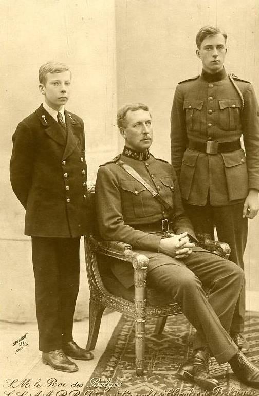 Король Альберт I с сыновьями
