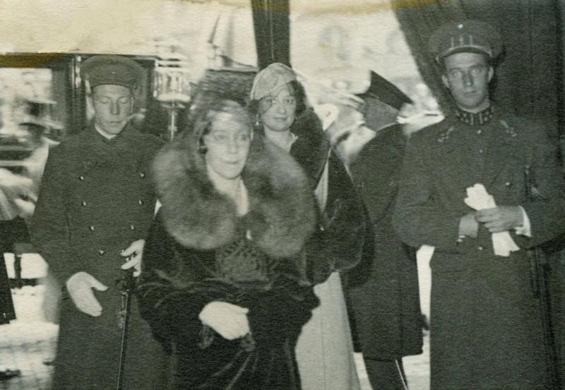 Шарль, королева Елизавета, наследная чета - Астрид и Леопольд