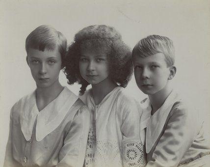 Леопольд, Мария-Хосе и Шарль