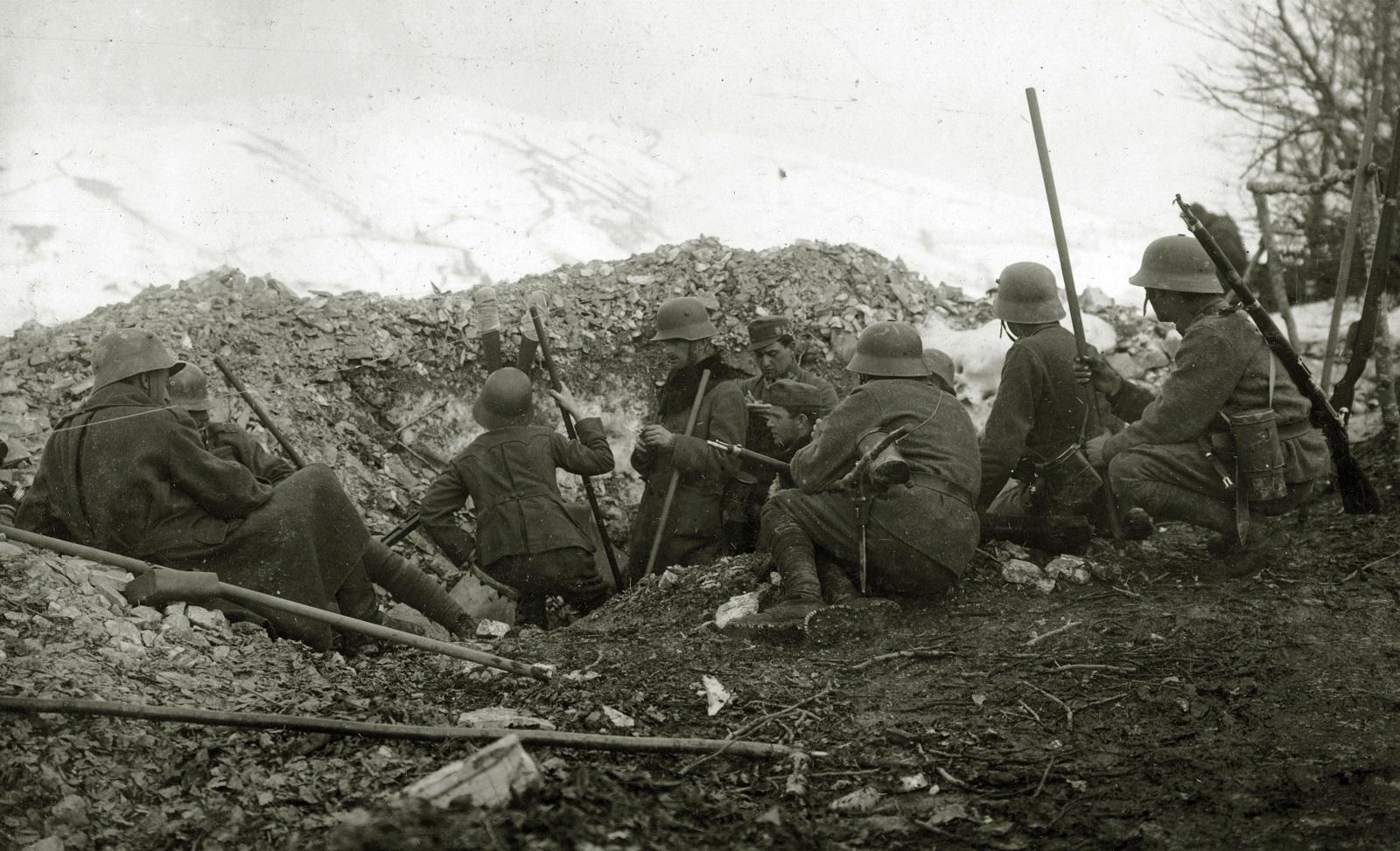 Картинки по запросу второй мировой война фото водоносец