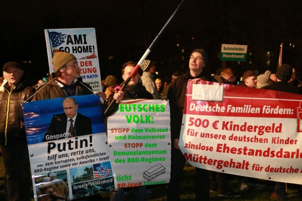 Pegida_Demonstration_in_Dresden_am_Jan_2015