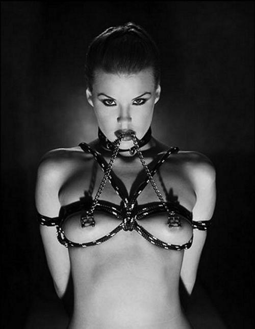 Показ рабыни