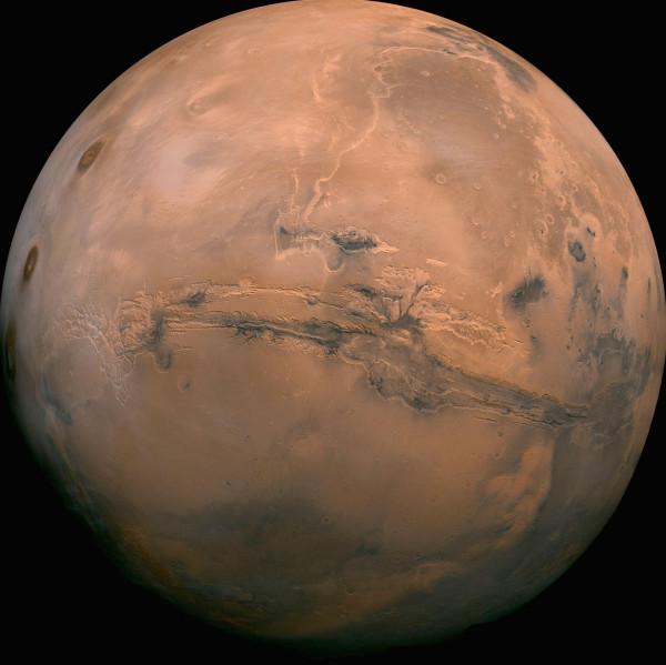 Марс и его огромный «шрам» — долины Маринер