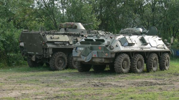OT-64 и БТР-60ПБ  в профиль