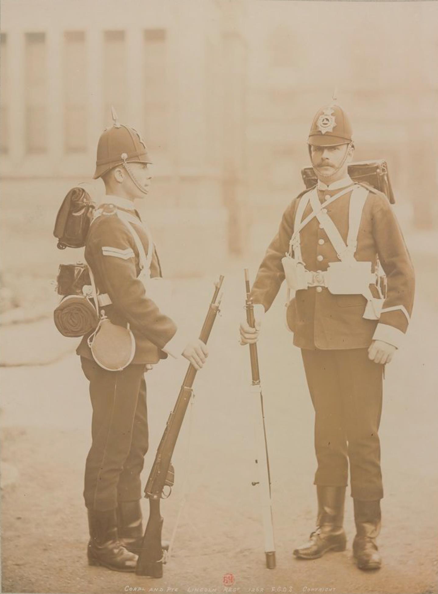 Младший сержант и солдат. Королевский Линкольнширский полк