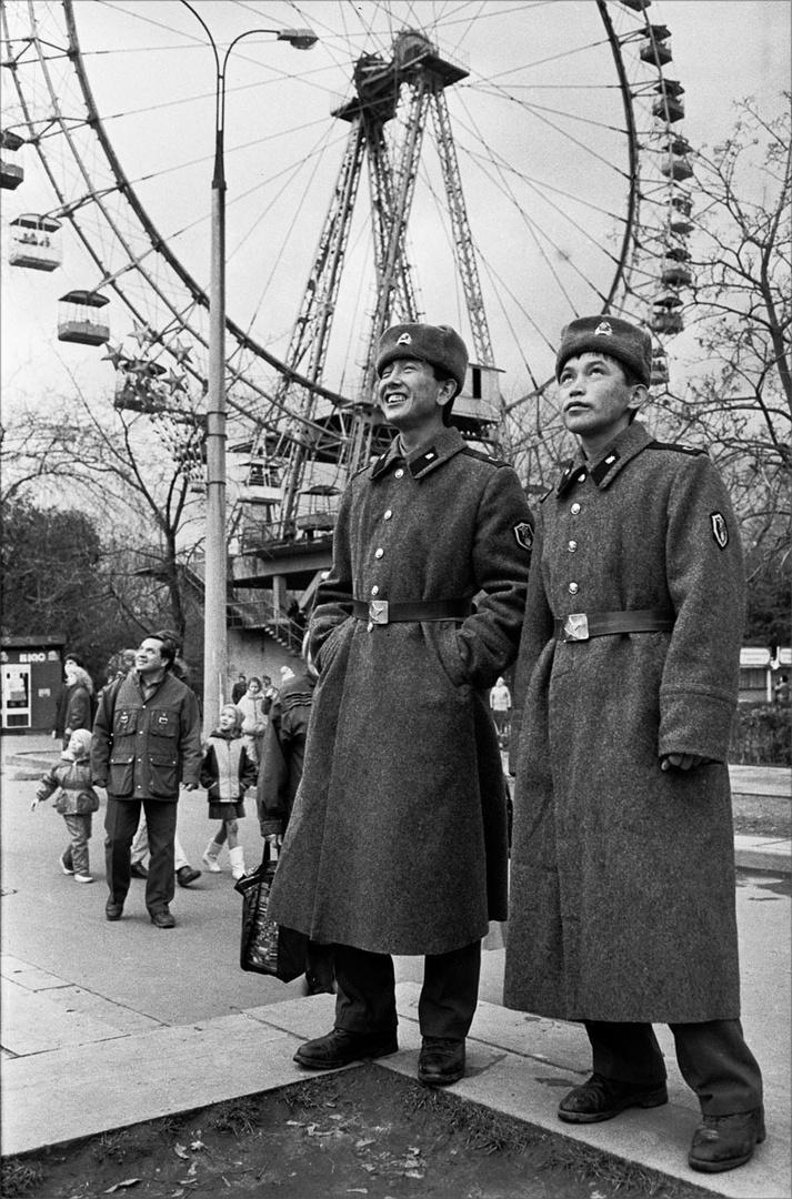 1987. Солдаты в Парке Горького. 4 октября