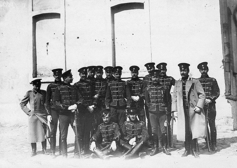 1900-е. Группа офицеров-гусар полка