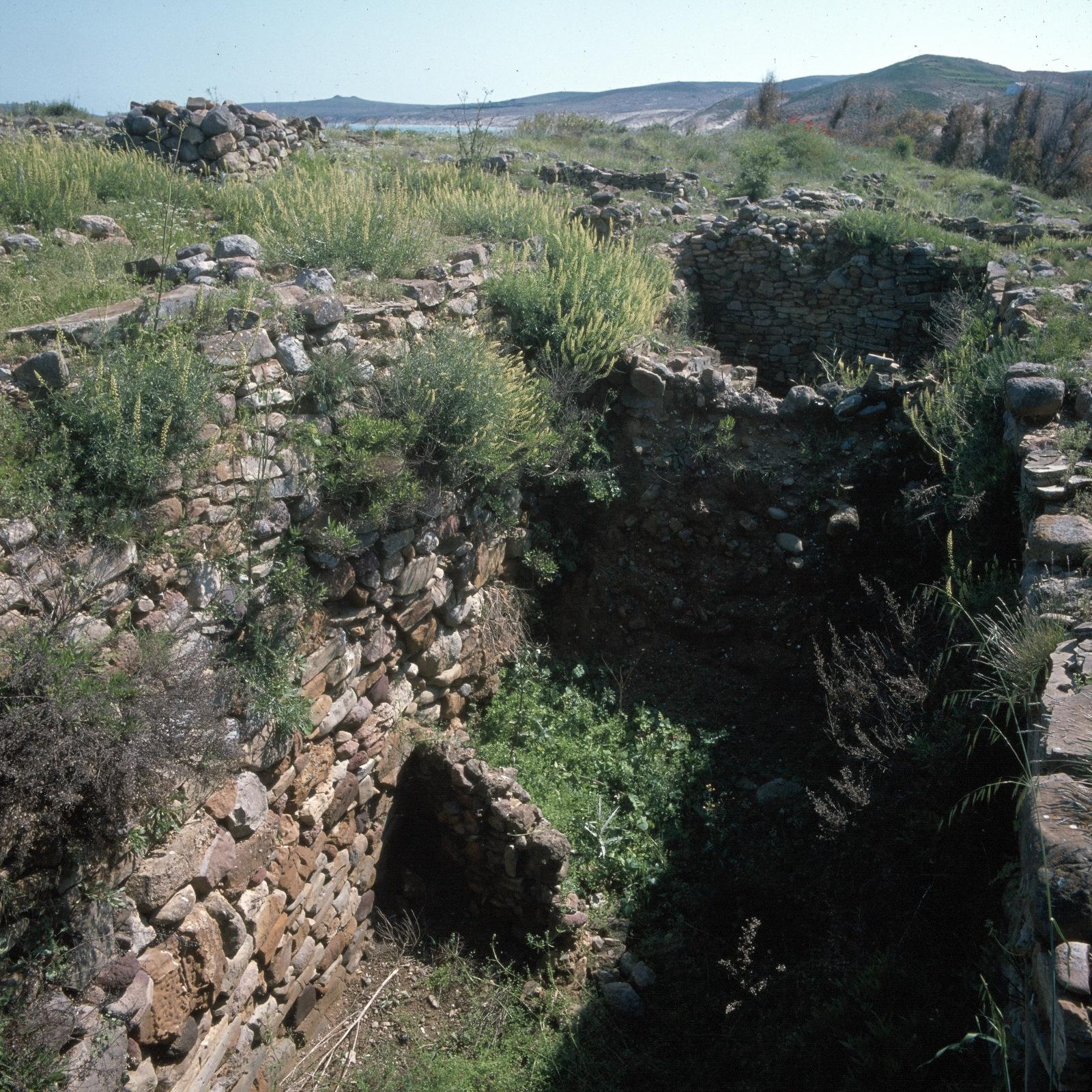 Древнейшее неолитическое поселение Полиохни. Резервуары.