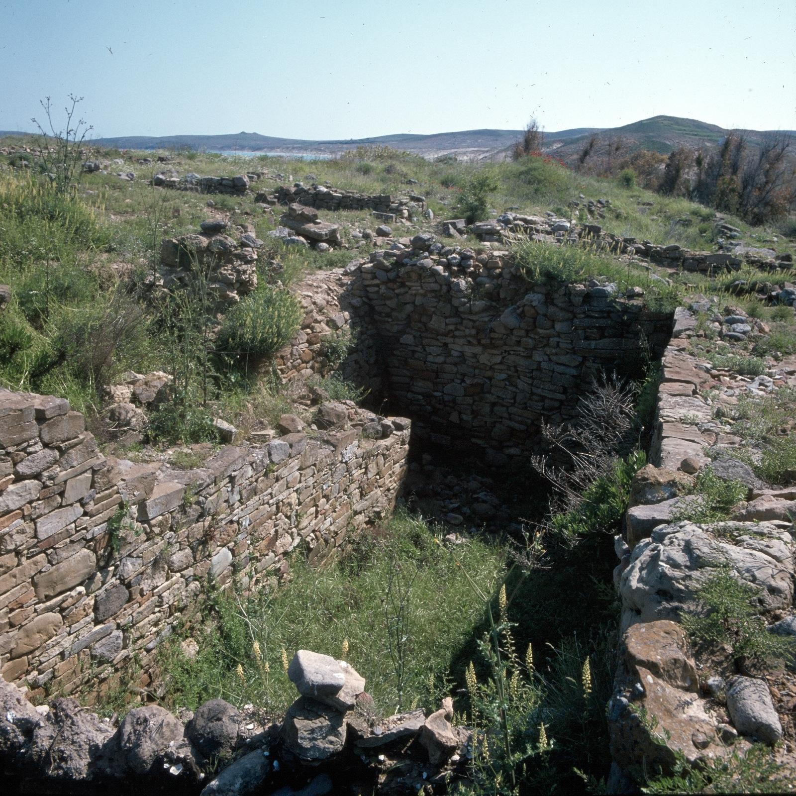 Древнейшее неолитическое поселение Полиохни. Резервуары