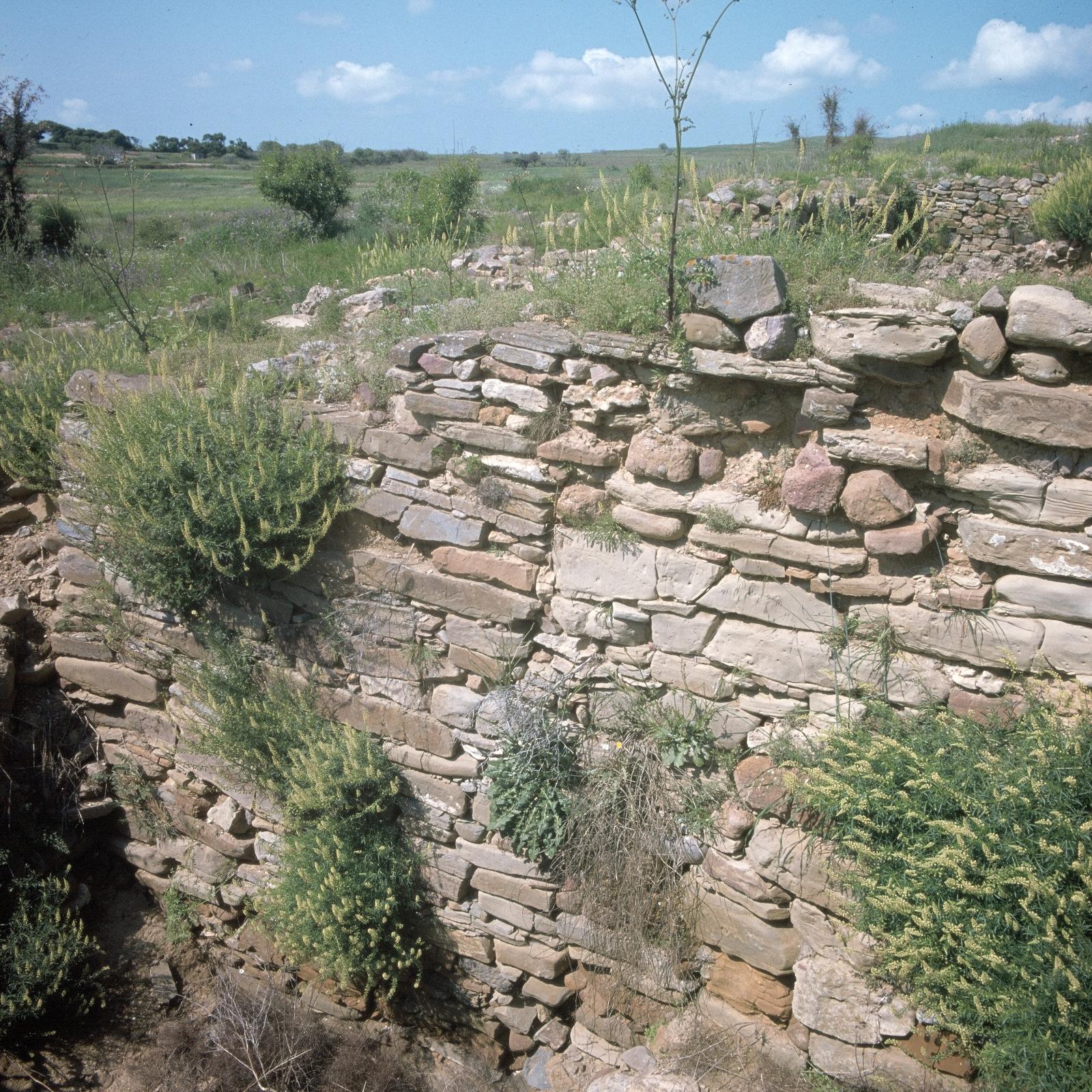 Древнейшее неолитическое поселение Полиохни. Стены