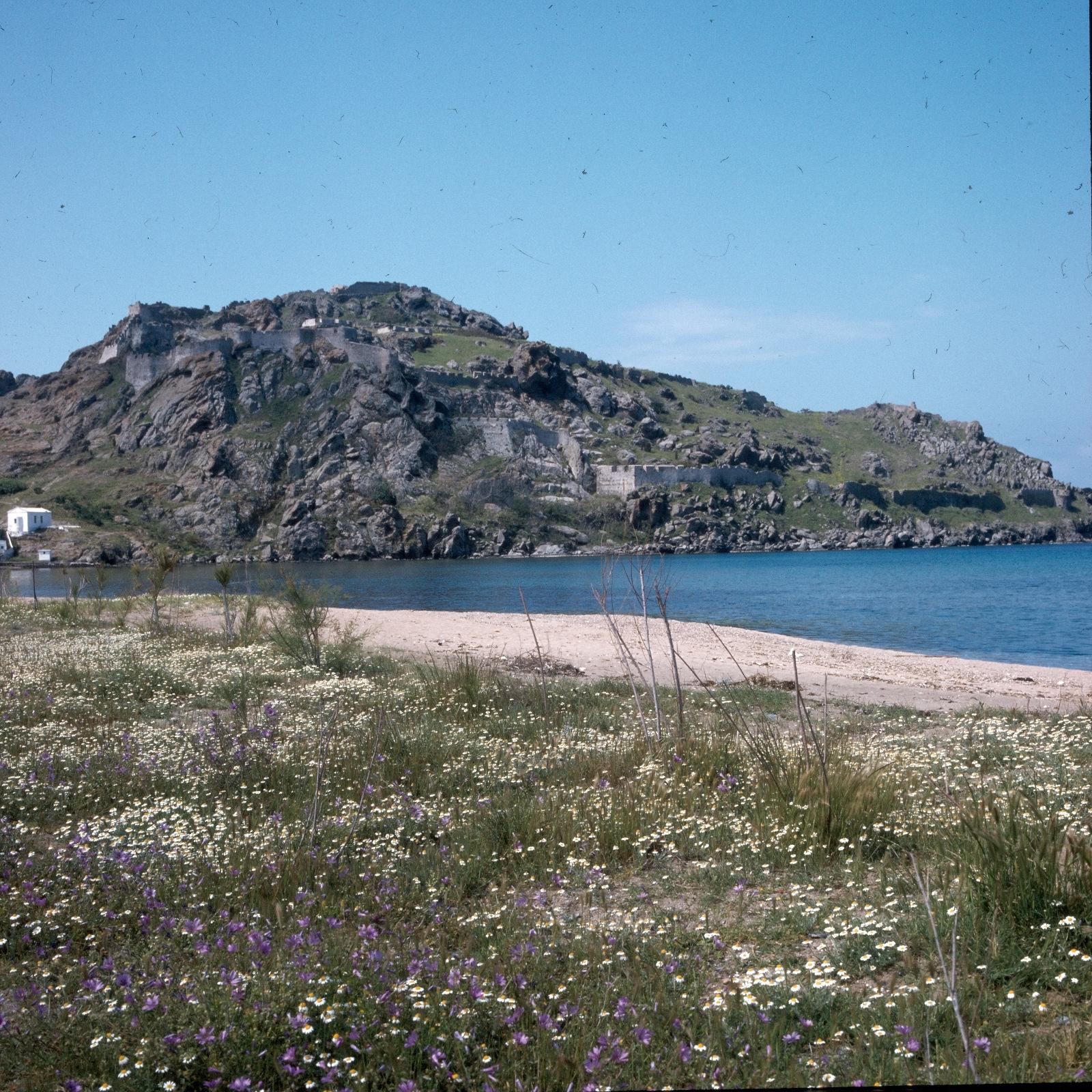 Мирина. Средневековый замок над Северным заливом
