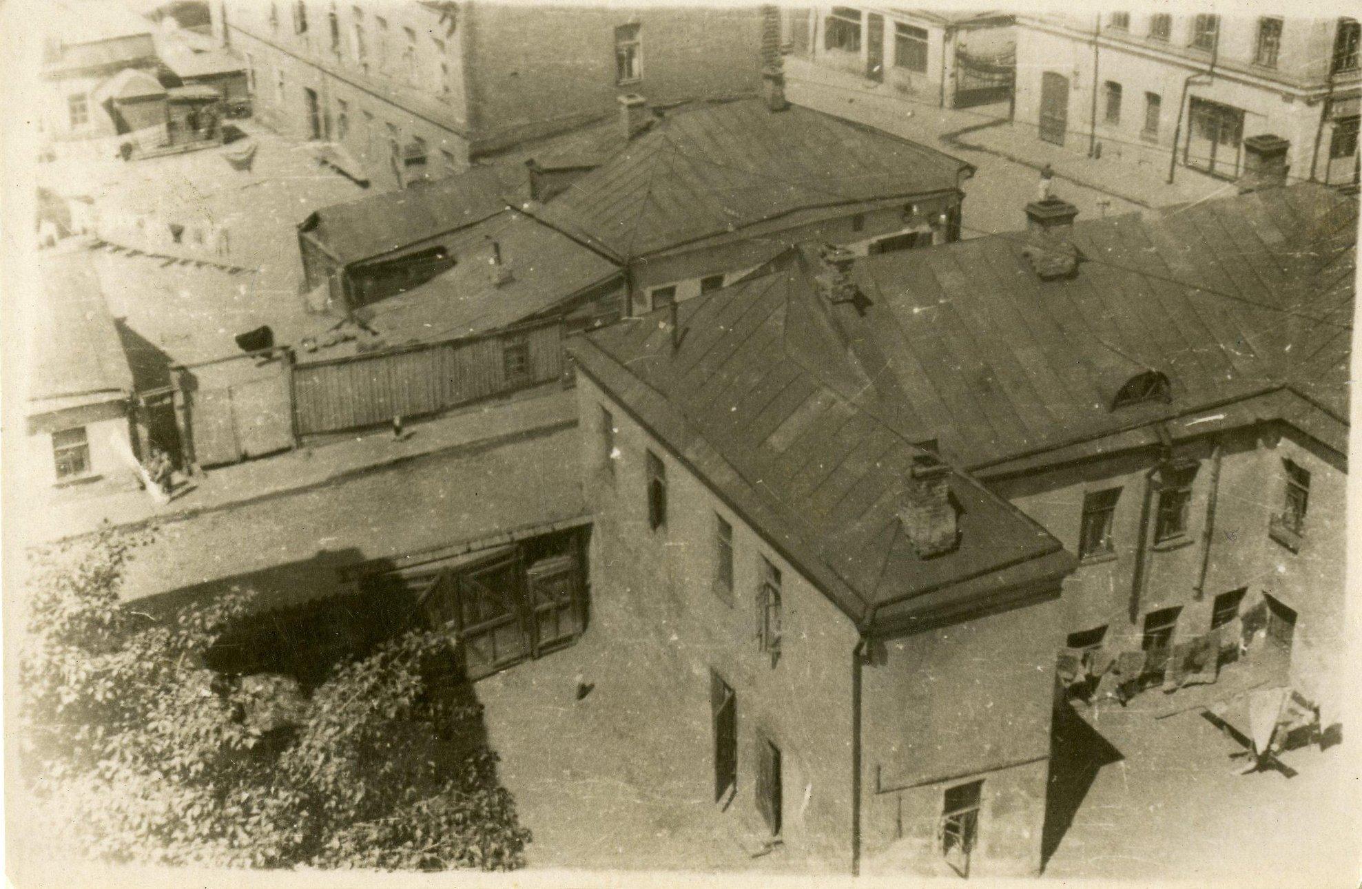 1939-1940. Вид с крыши дома на Большой Козихинский и Ермолаевский переулки