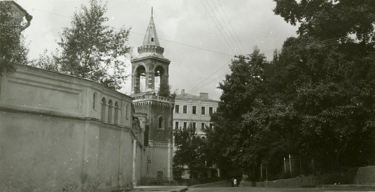 1970-е. Вид на Ивановский монастырь