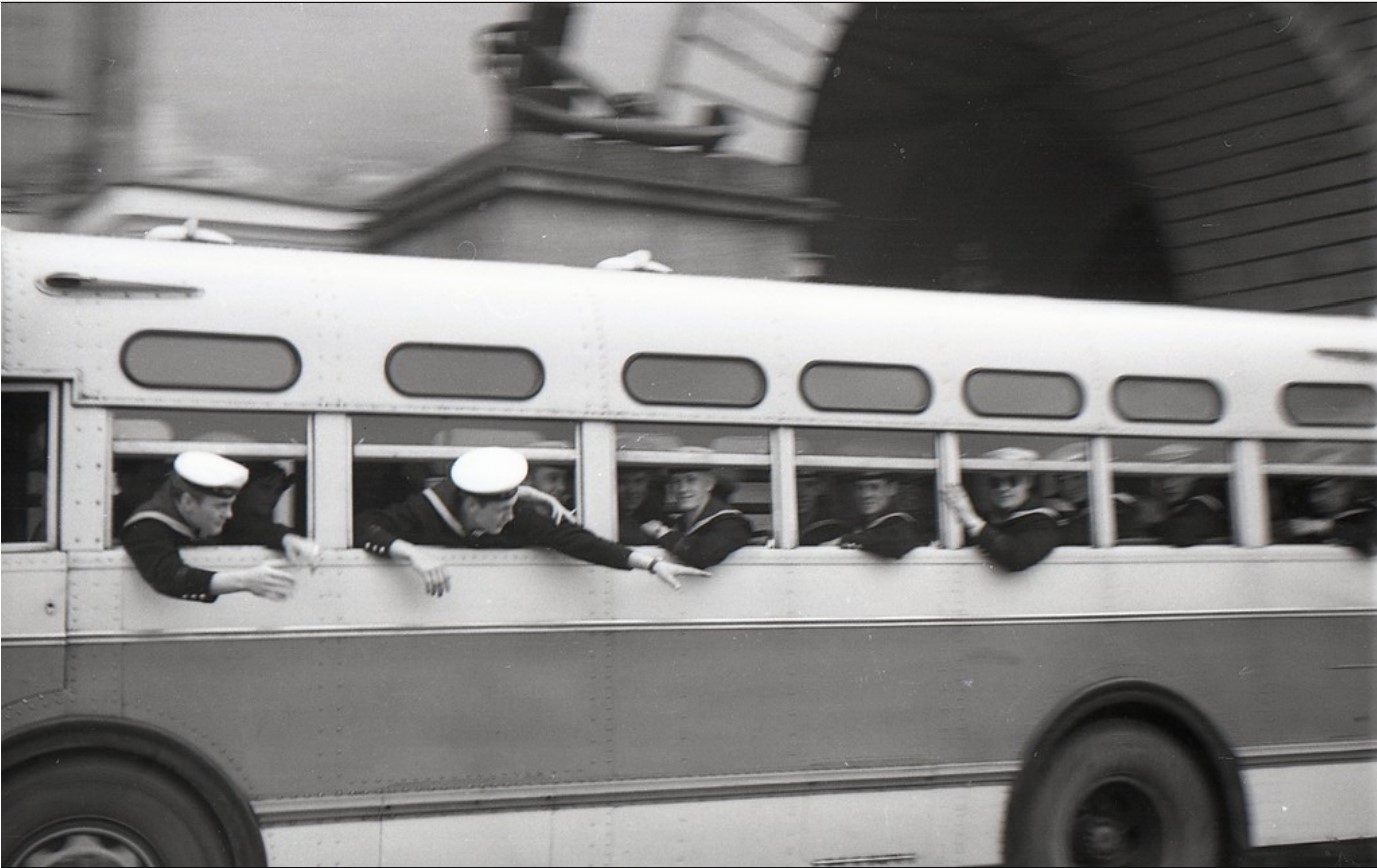 16. Шведы в автобусе