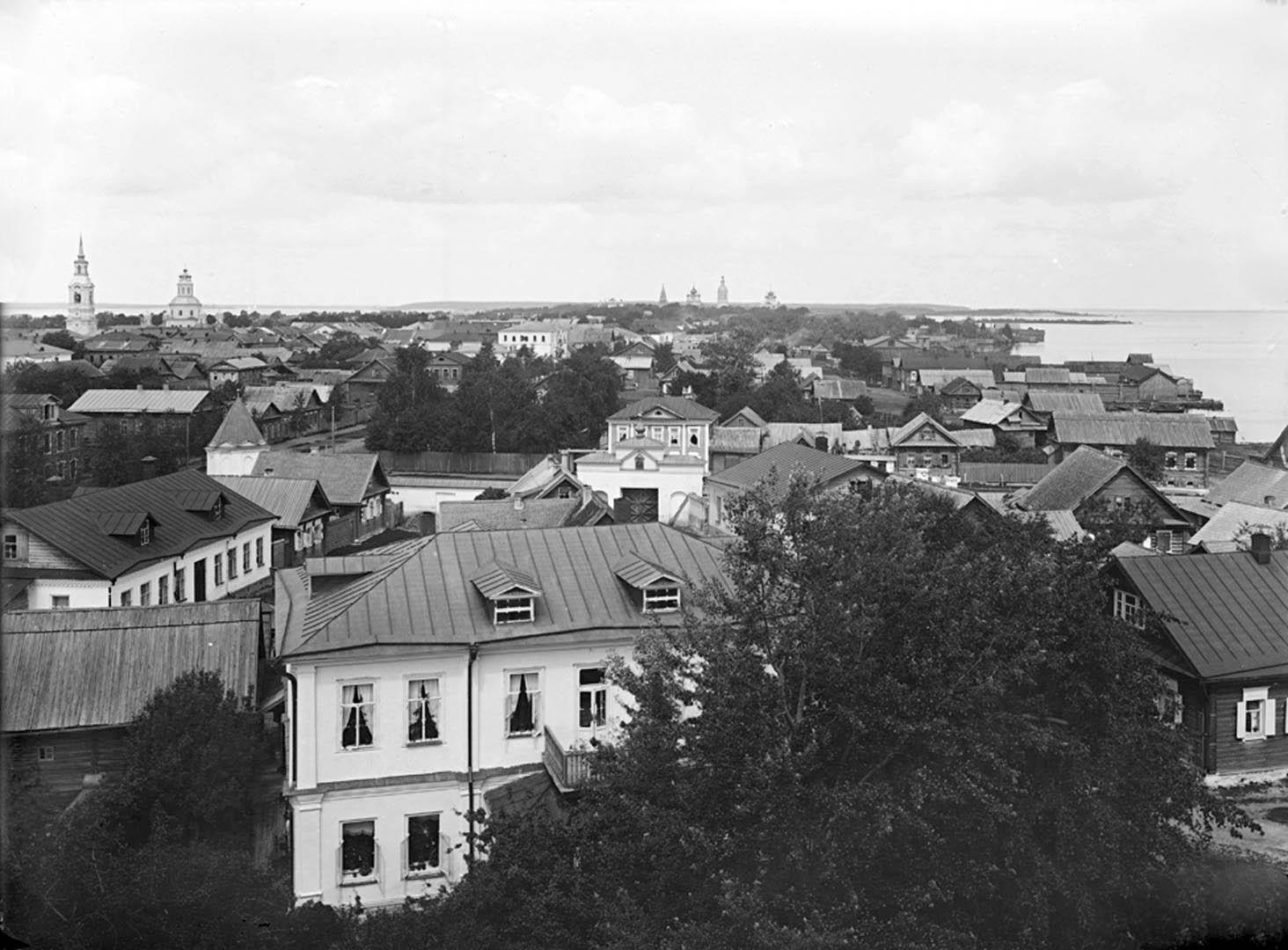 Общий вид города Осташкова со стороны Вороньего поля. 1903.