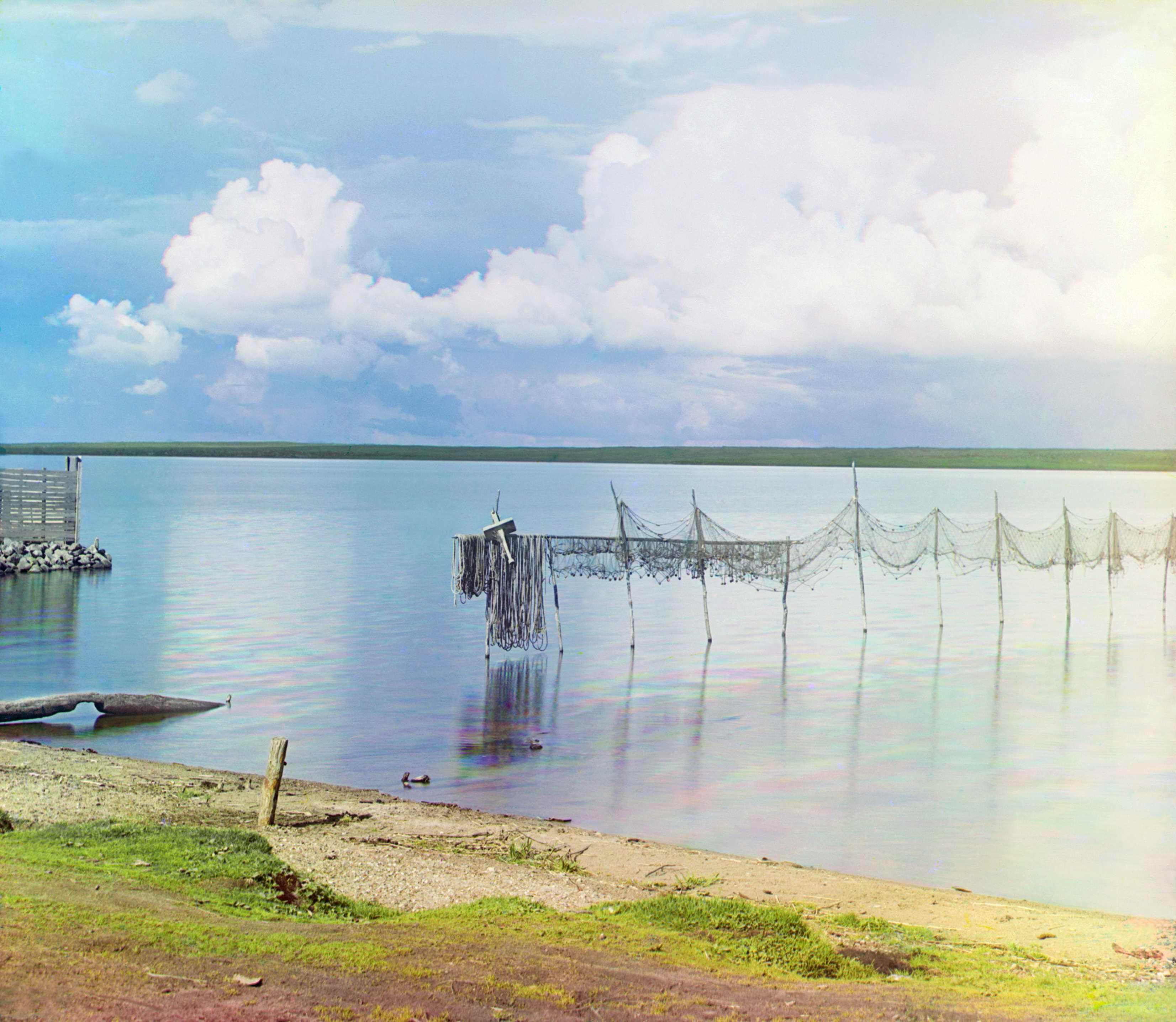 Сушка сетей на озере Селигер.