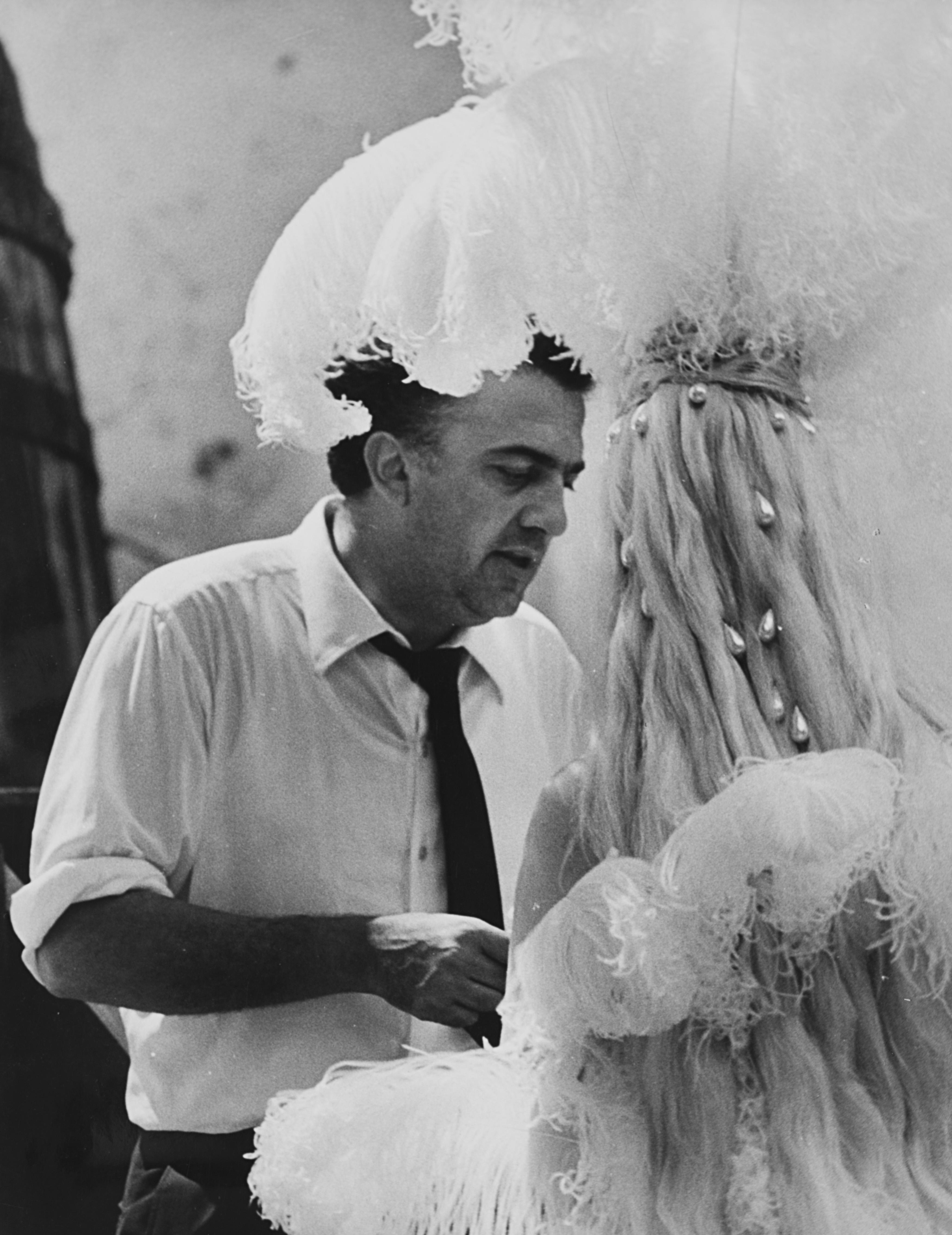 1960. Федерико Феллини на съемках фильма «Сладкая жизнь»
