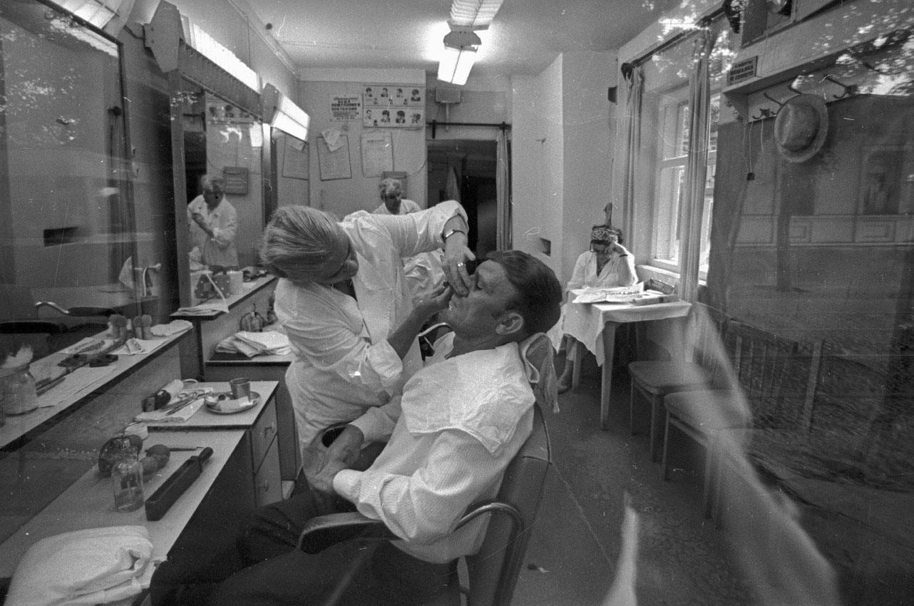1971. В парикмахерской. Тбилиси