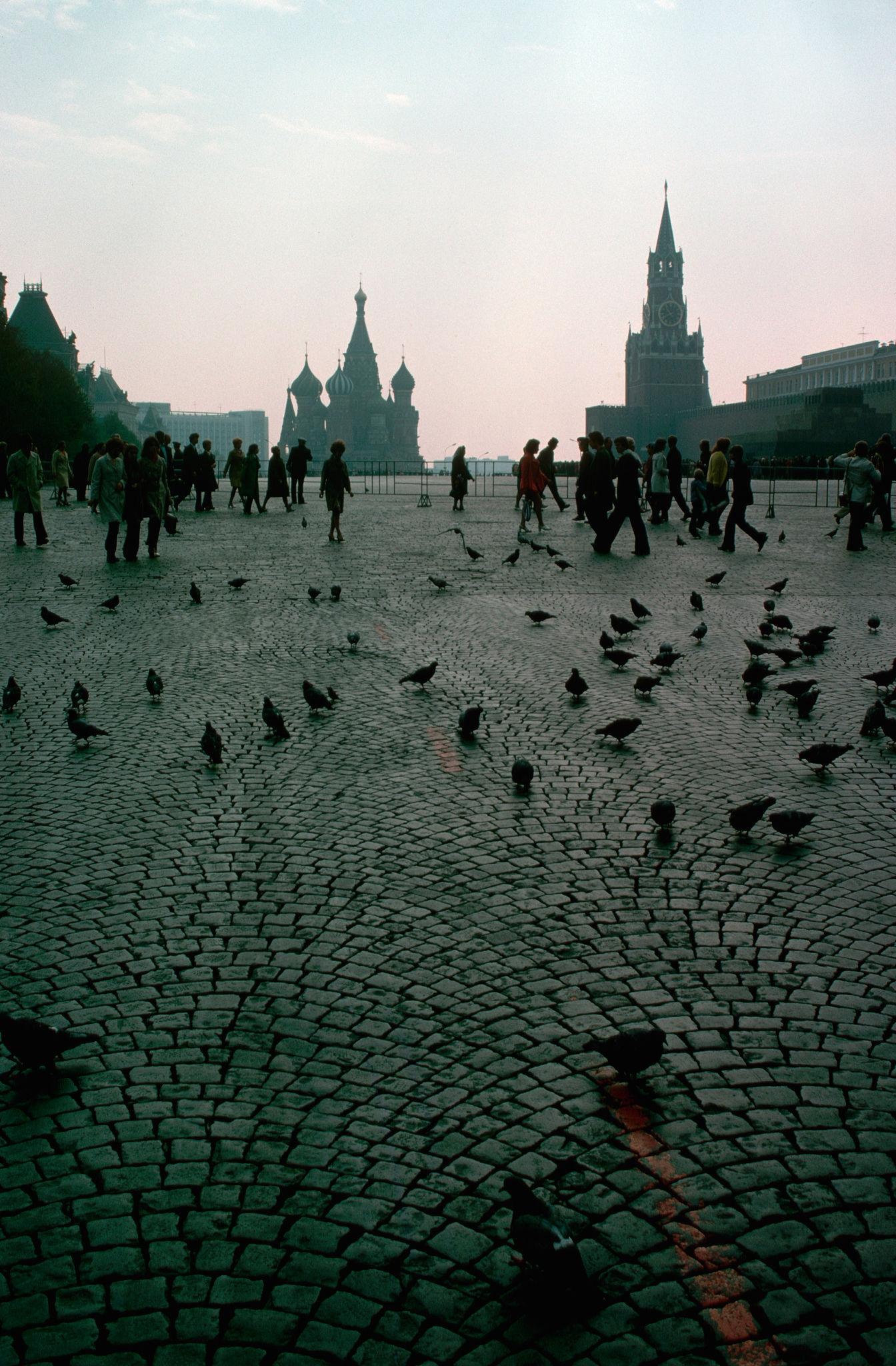 1972. Москва. Голуби на Красной площади