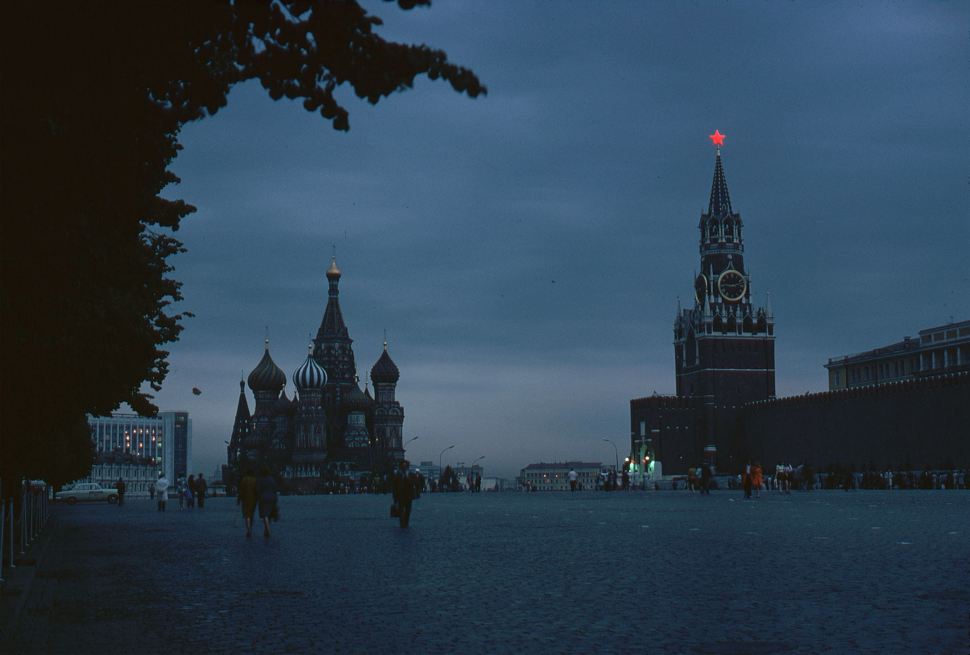 1972. Москва. Красная площадь в сумерки