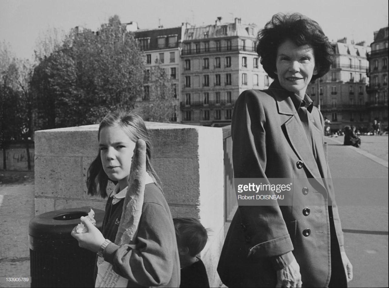 1989. Даниэль Миттеран, жена бывшего президента Франции Франсуа Миттерана. Париж