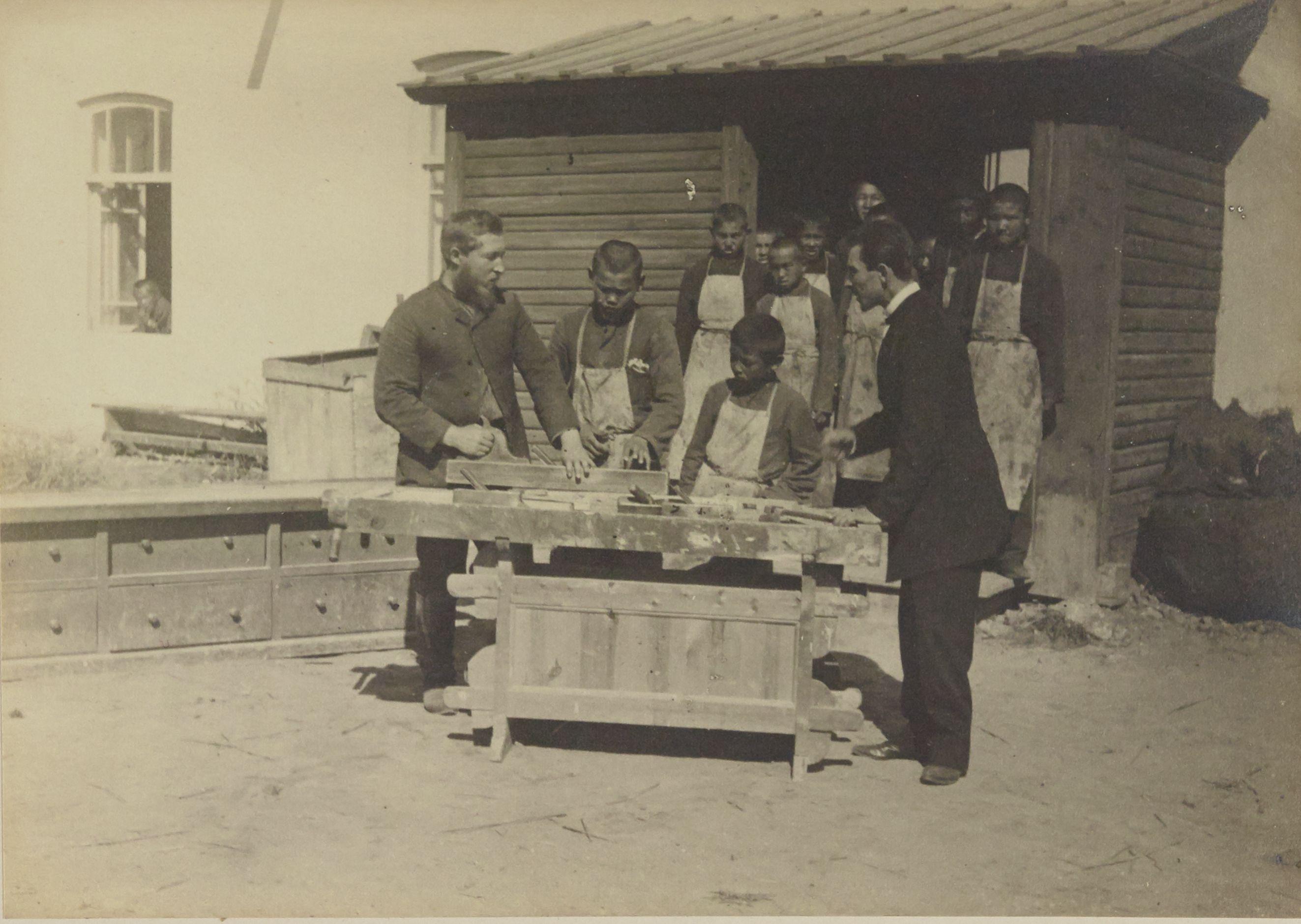 Оренбург. Киргизская школа