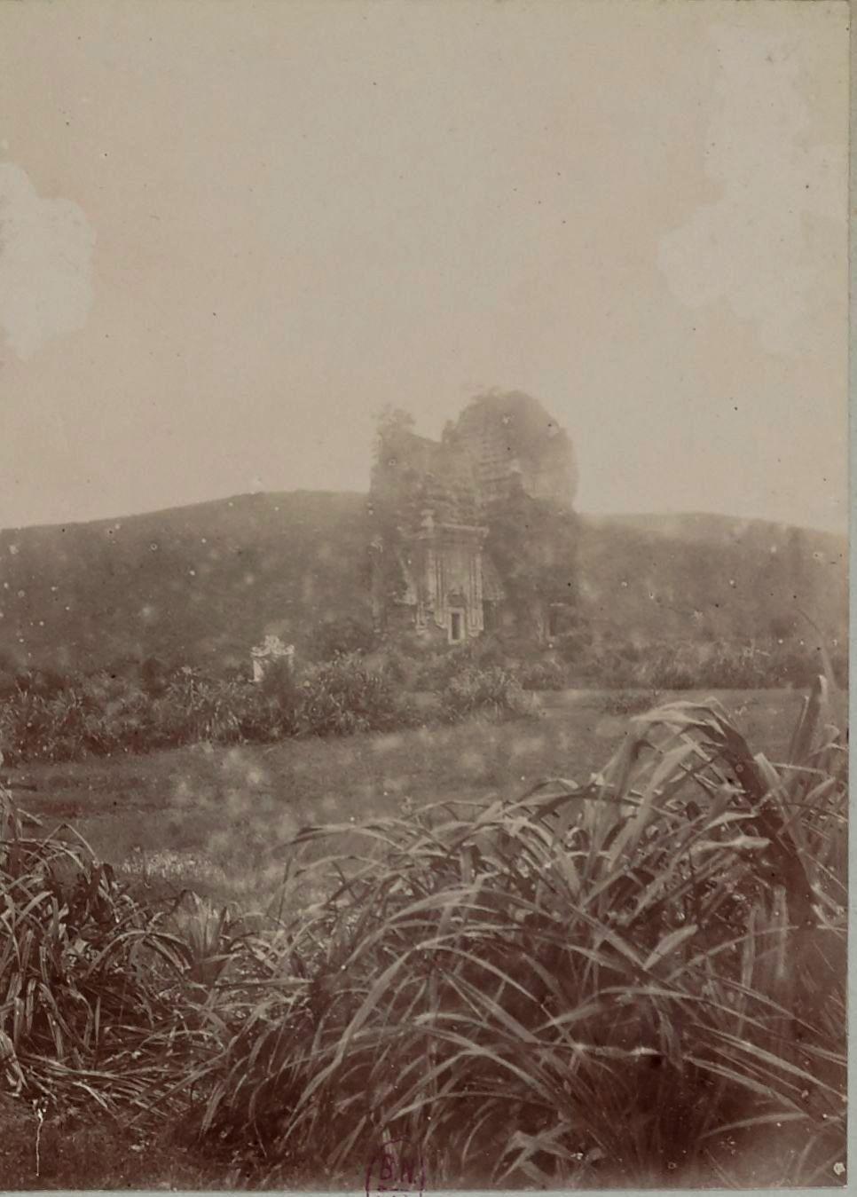 Башня около Куинён