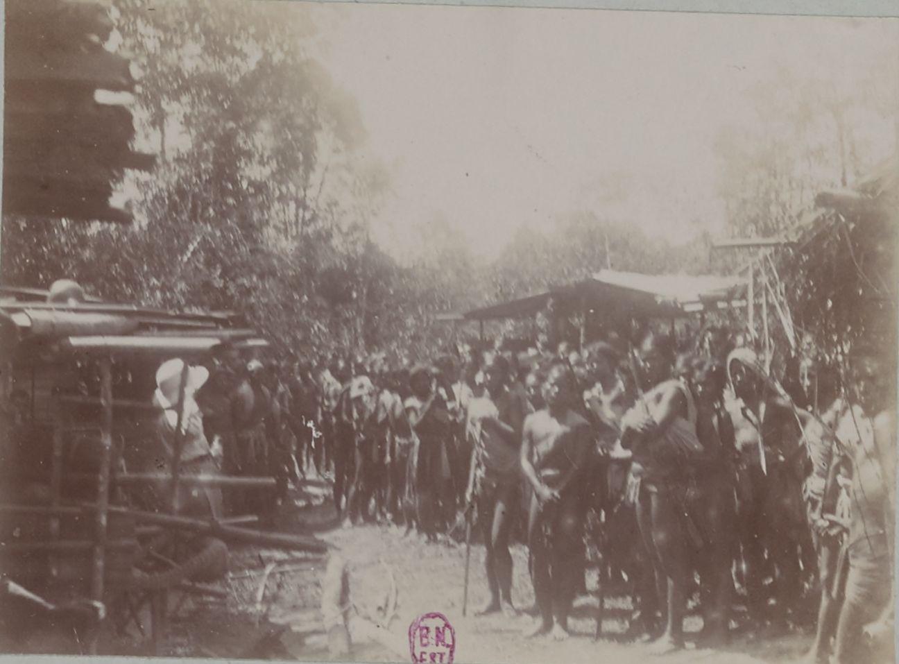 Прибытие в Буг-Нхай. Наши носильщики (халанги и седанги)