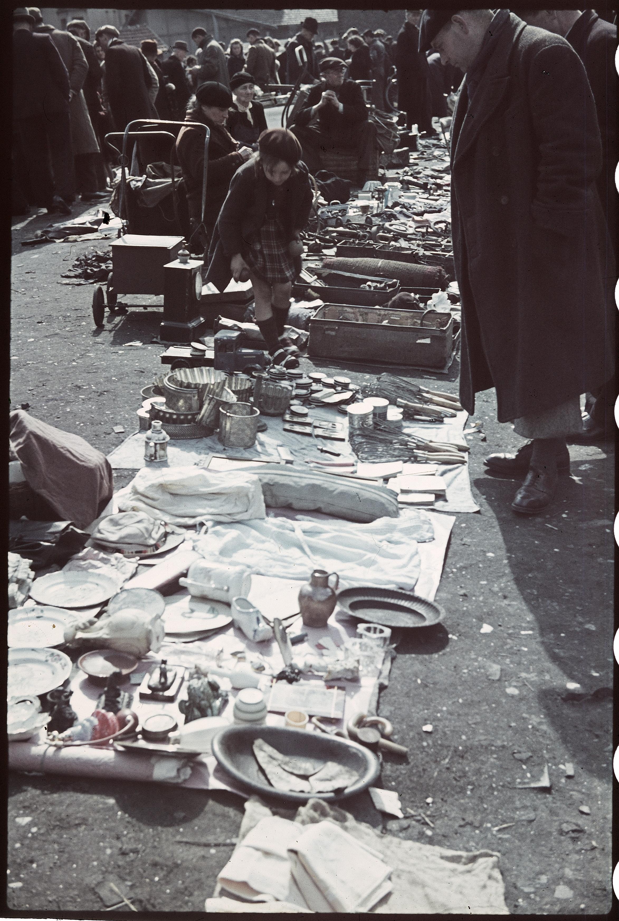 Блошиный рынок в Сен-Уэне