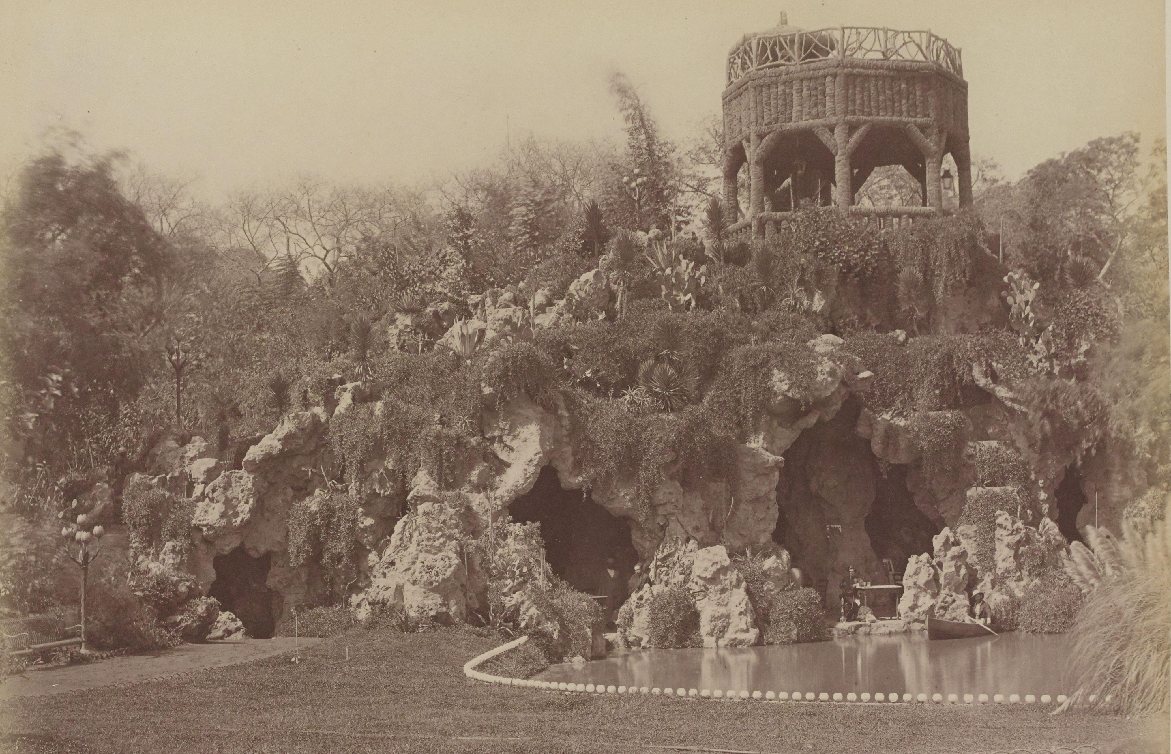 12. Пещеры садов Эзбекия