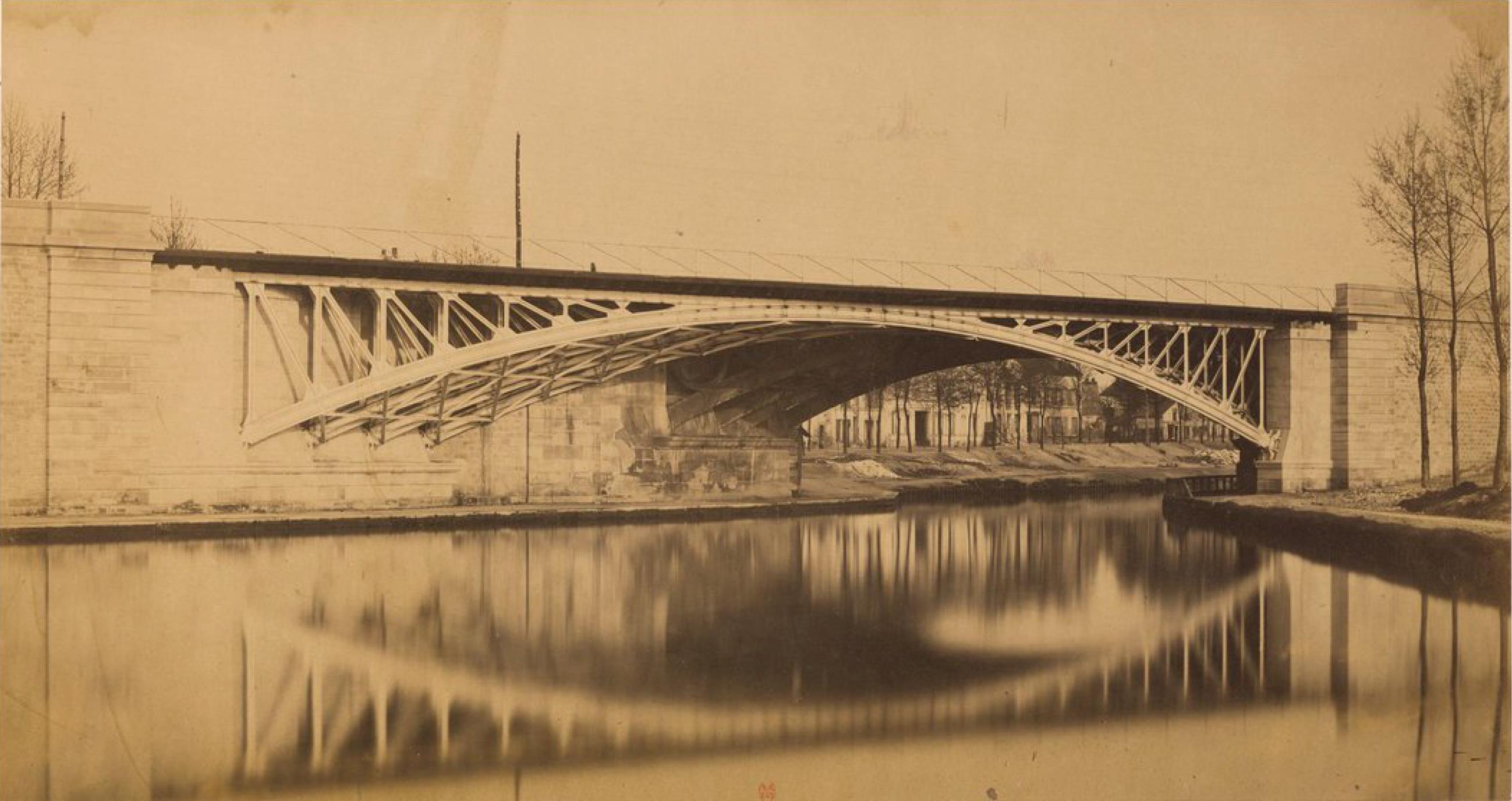 Париж. Мост через канал в Сен-Дени