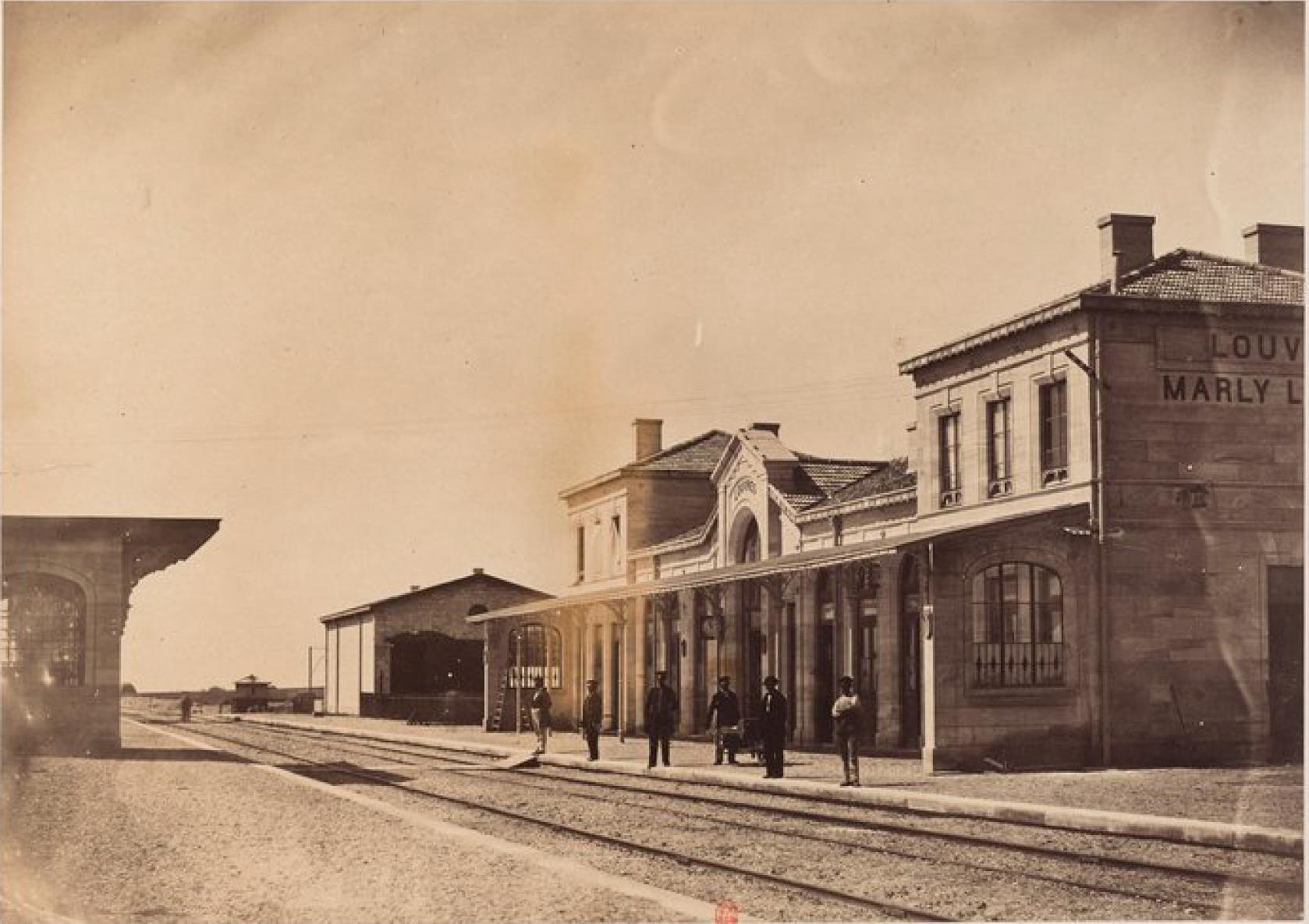 Станция Лувр