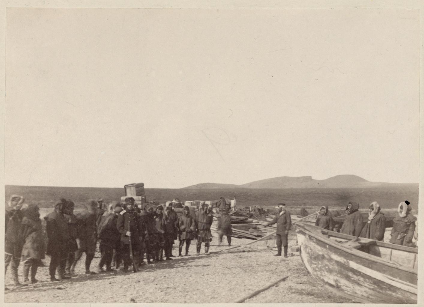 Переноска грузов на берегу
