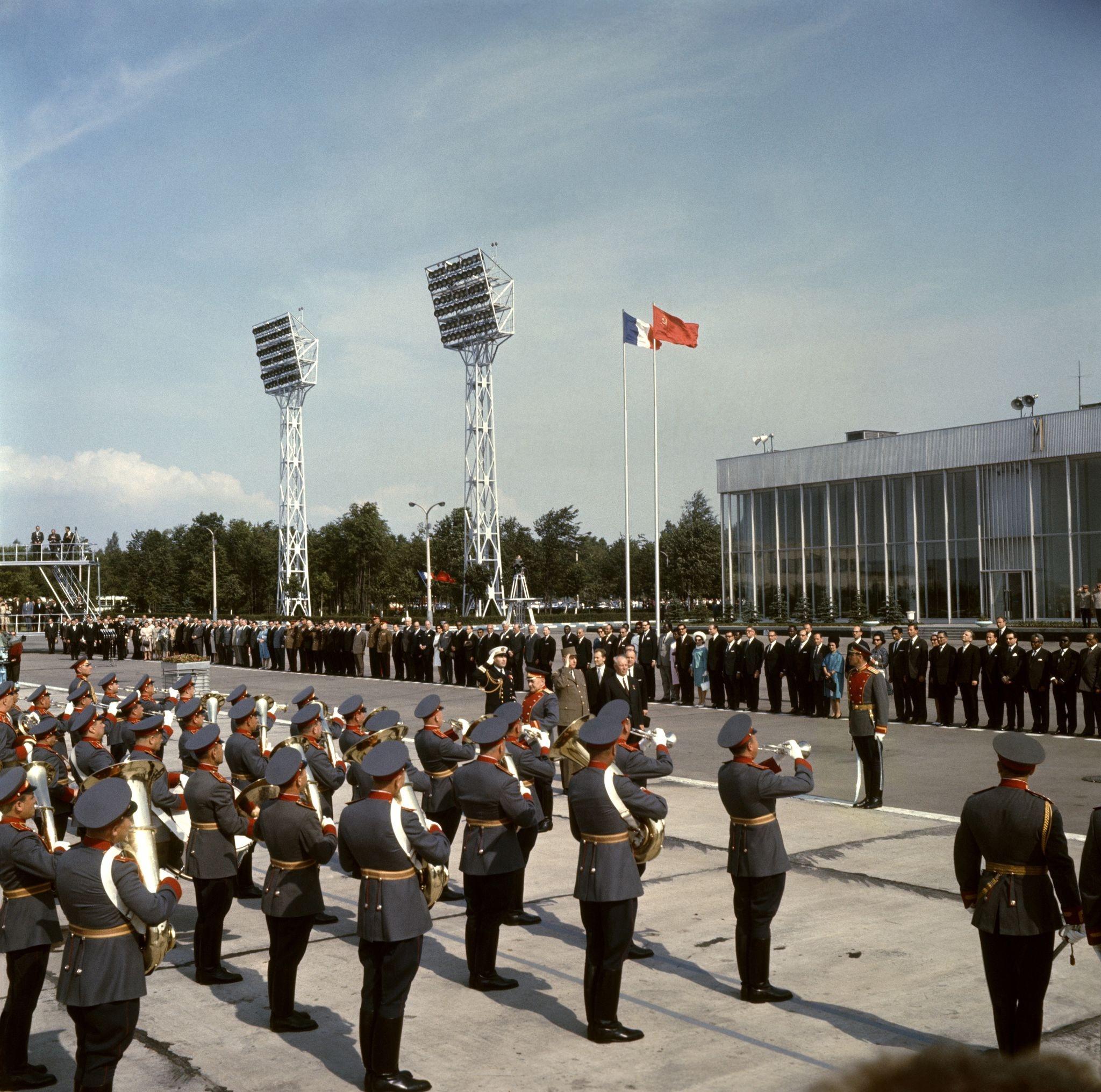 Встреча Шарля де Голля в аэропорту «Внуково»