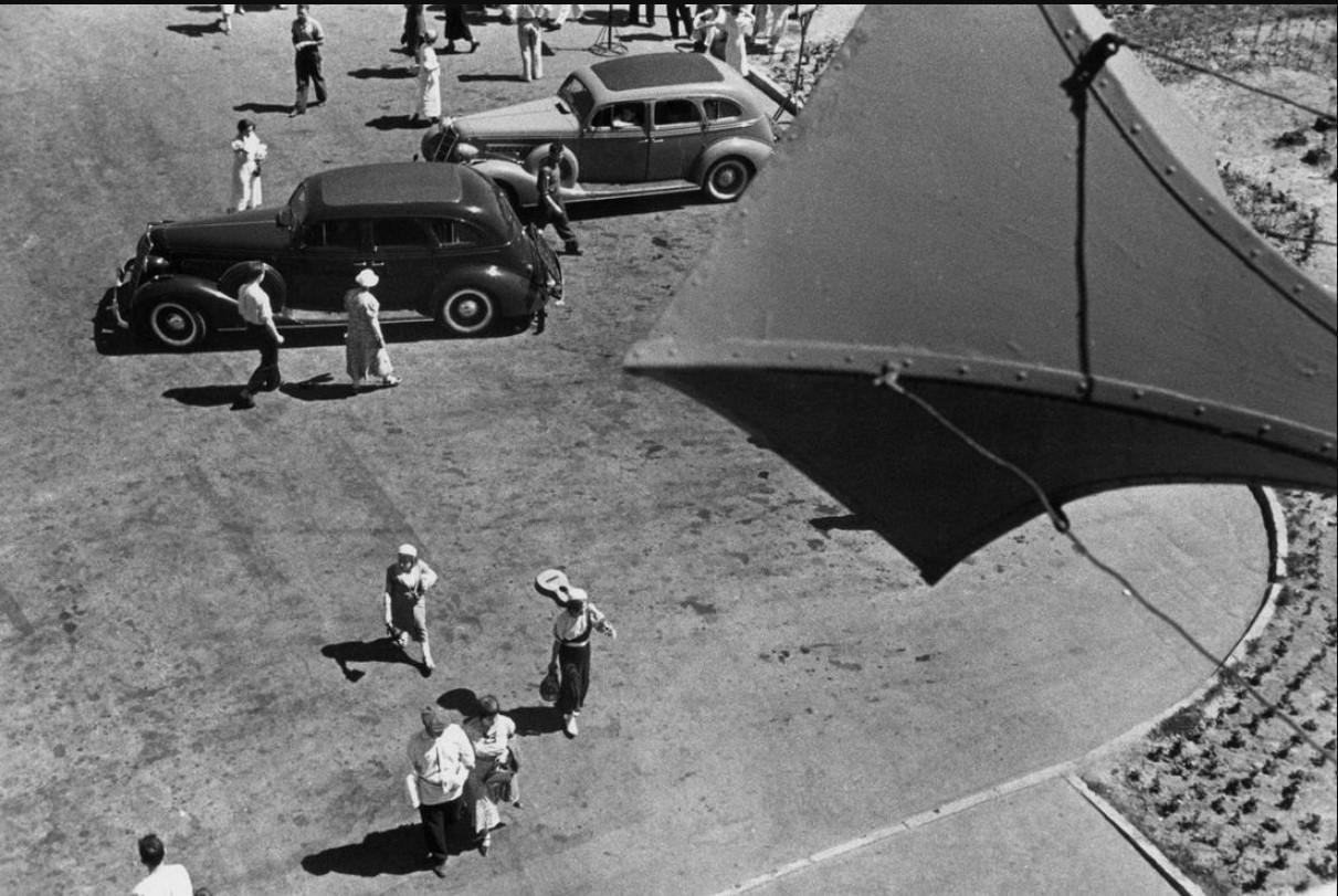 1938. Выходной день (Автомобильная выставка)