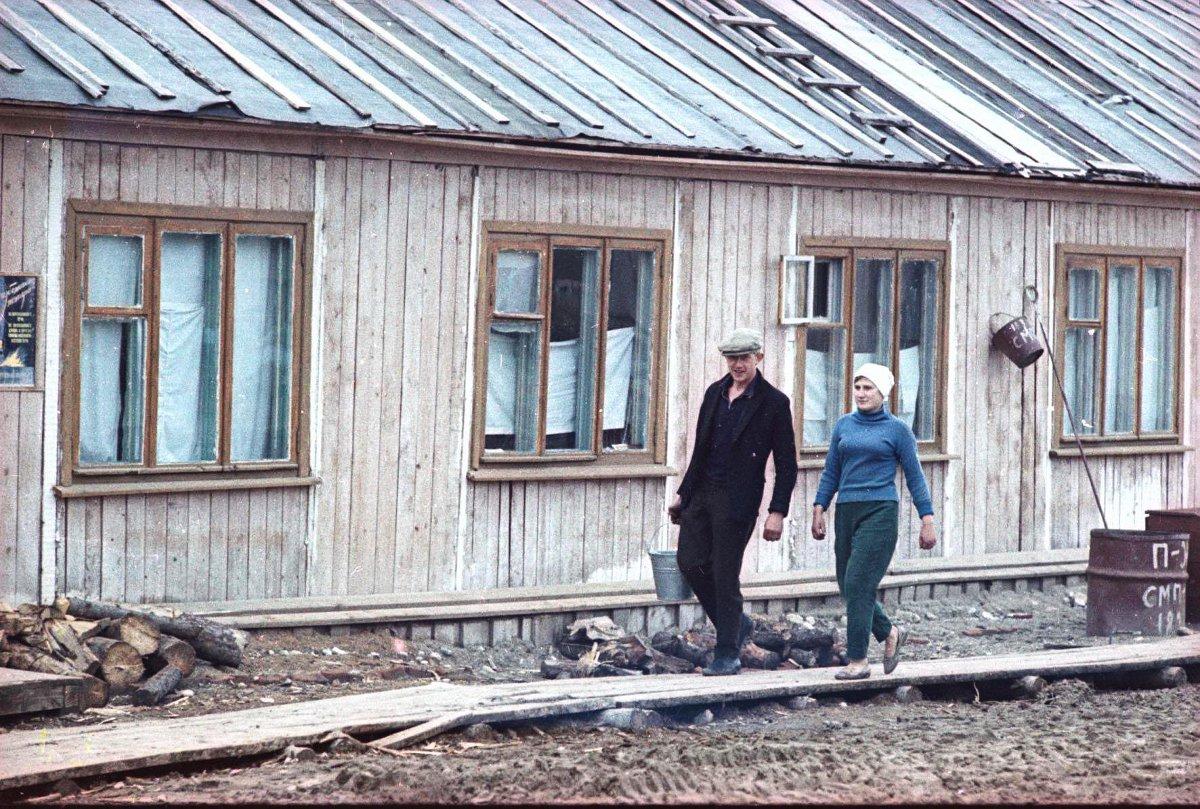 В поселке. Архангельская обл., Холмогорский р-н, пос. Луковецкая База2