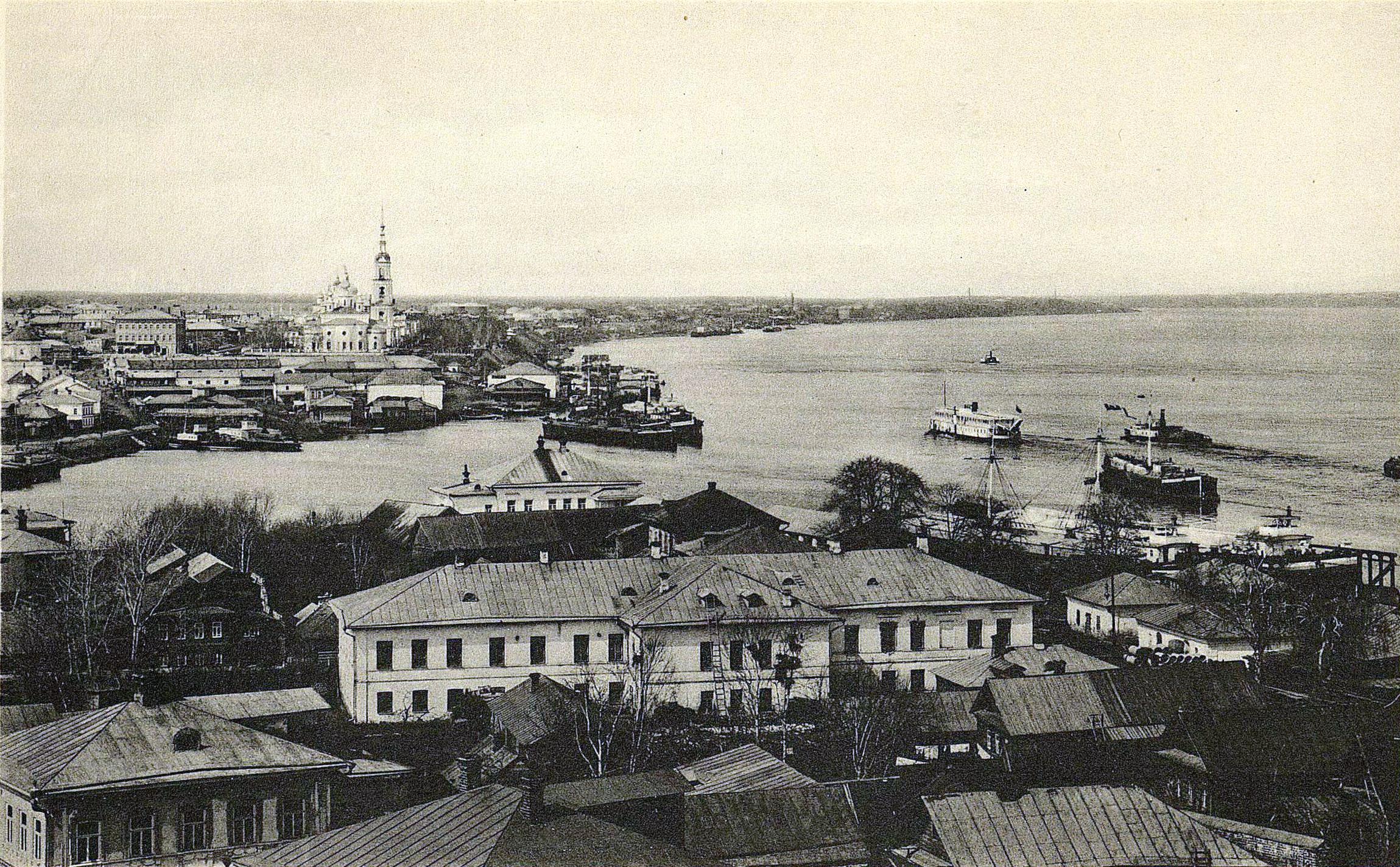 Вид с колокольни Преображенской церкви