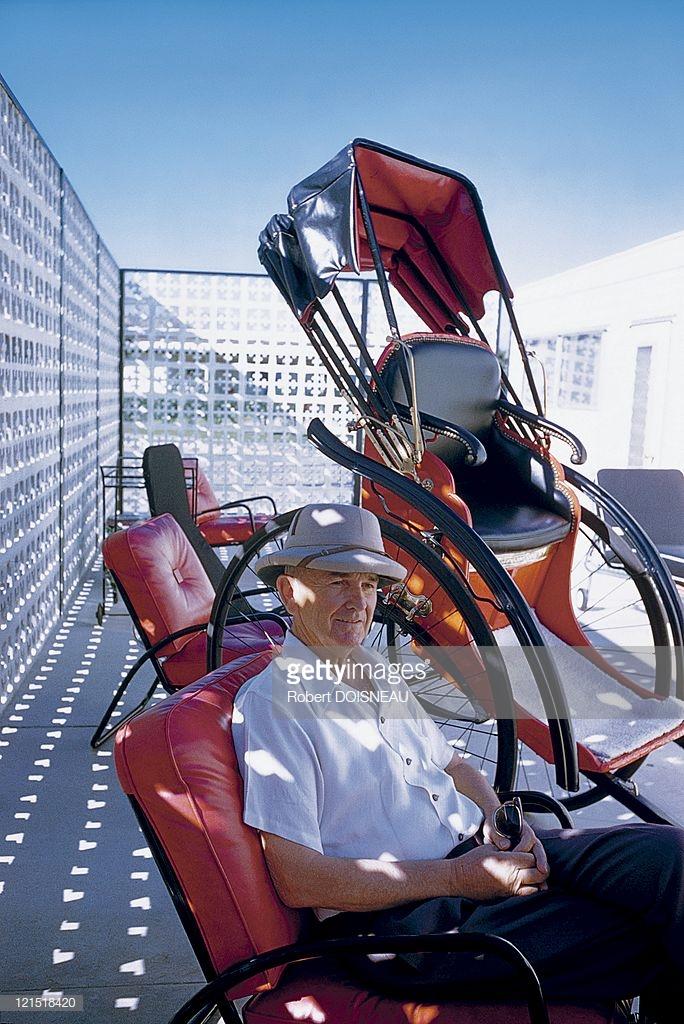 1960. Палм-спрингс. Мужчина в кресле