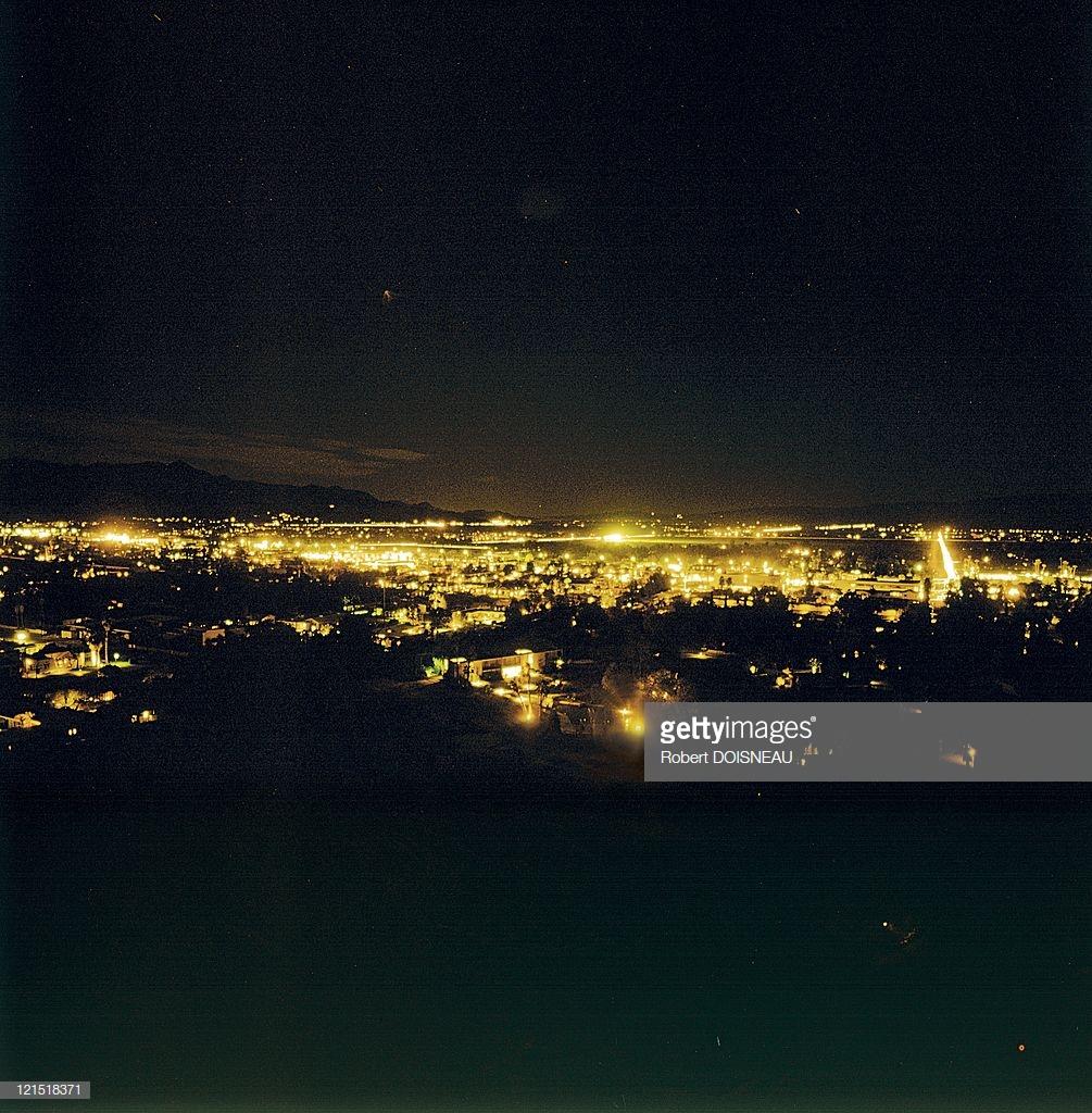 1960. Палм-спрингс. Ночной город