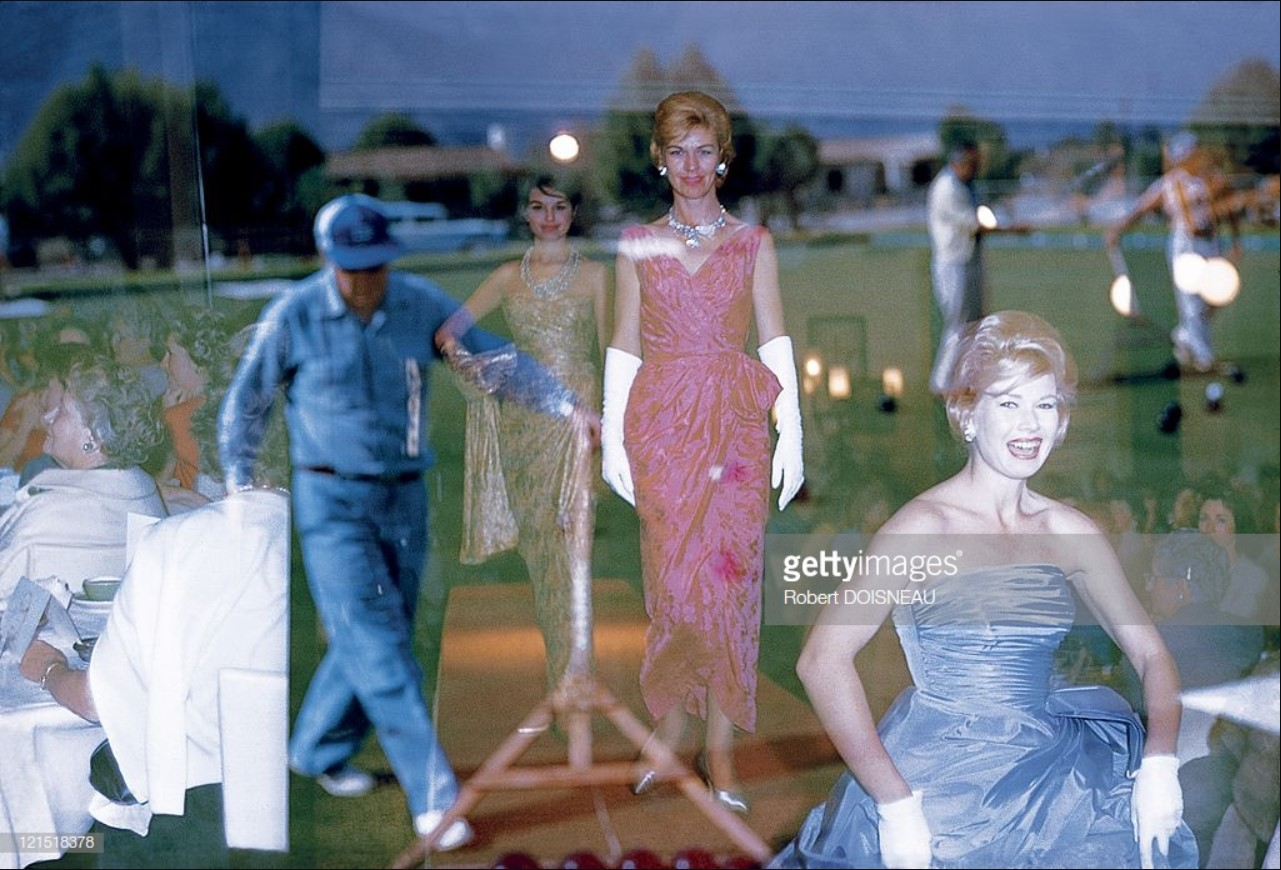 1960. Палм-спрингс. Отражения в окне