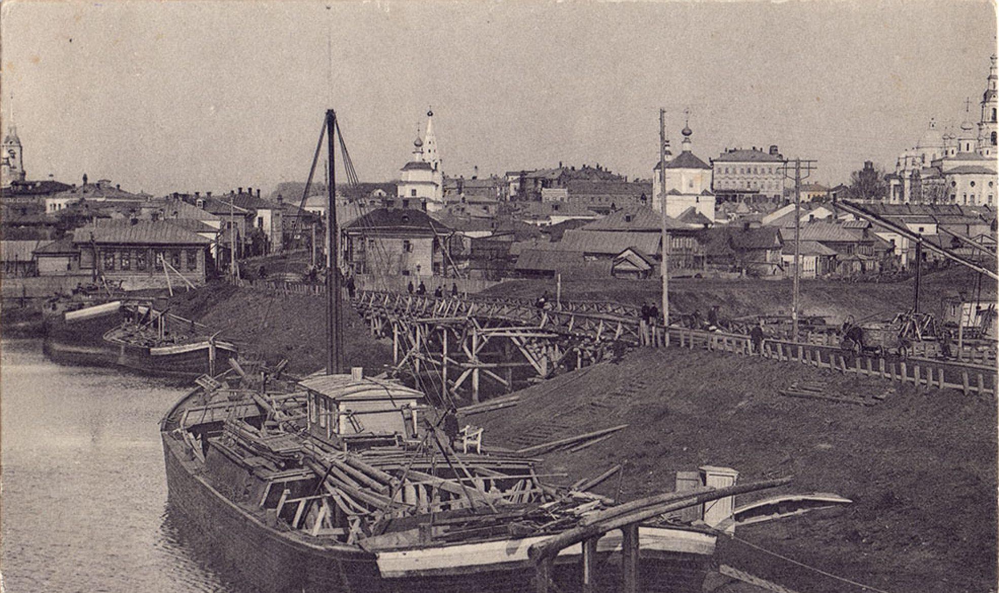 У Никольского моста