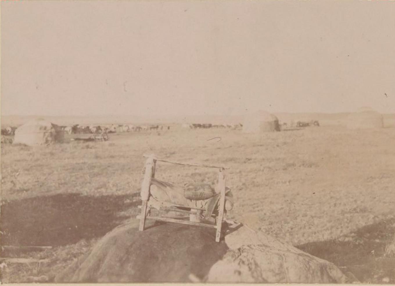 19. Киргизская колыбель и пейзаж