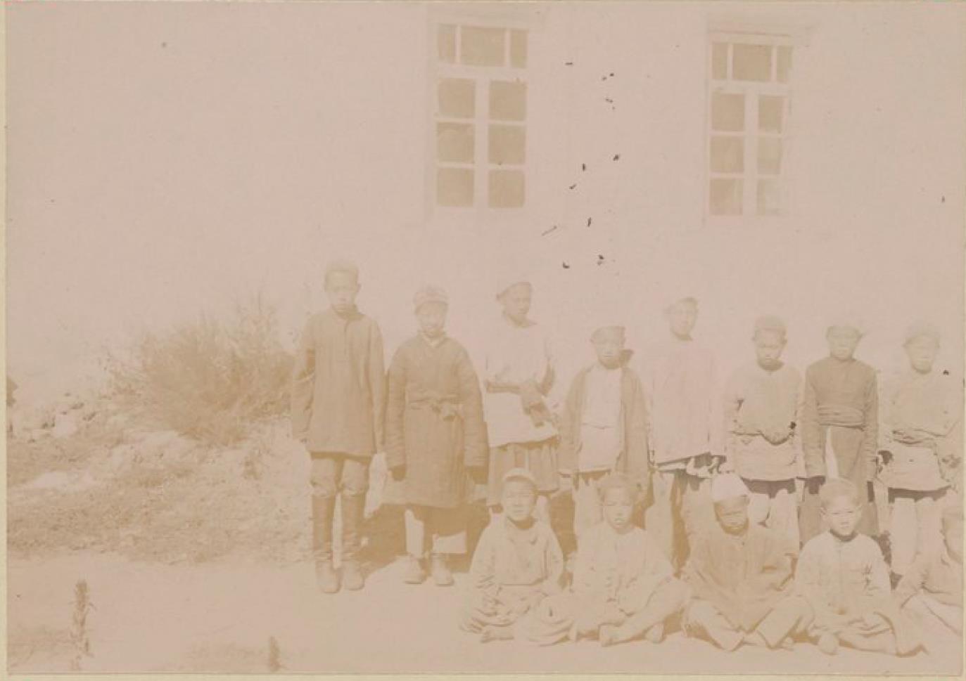 31. Дунганские школьники в Каракунузе, Семиречье
