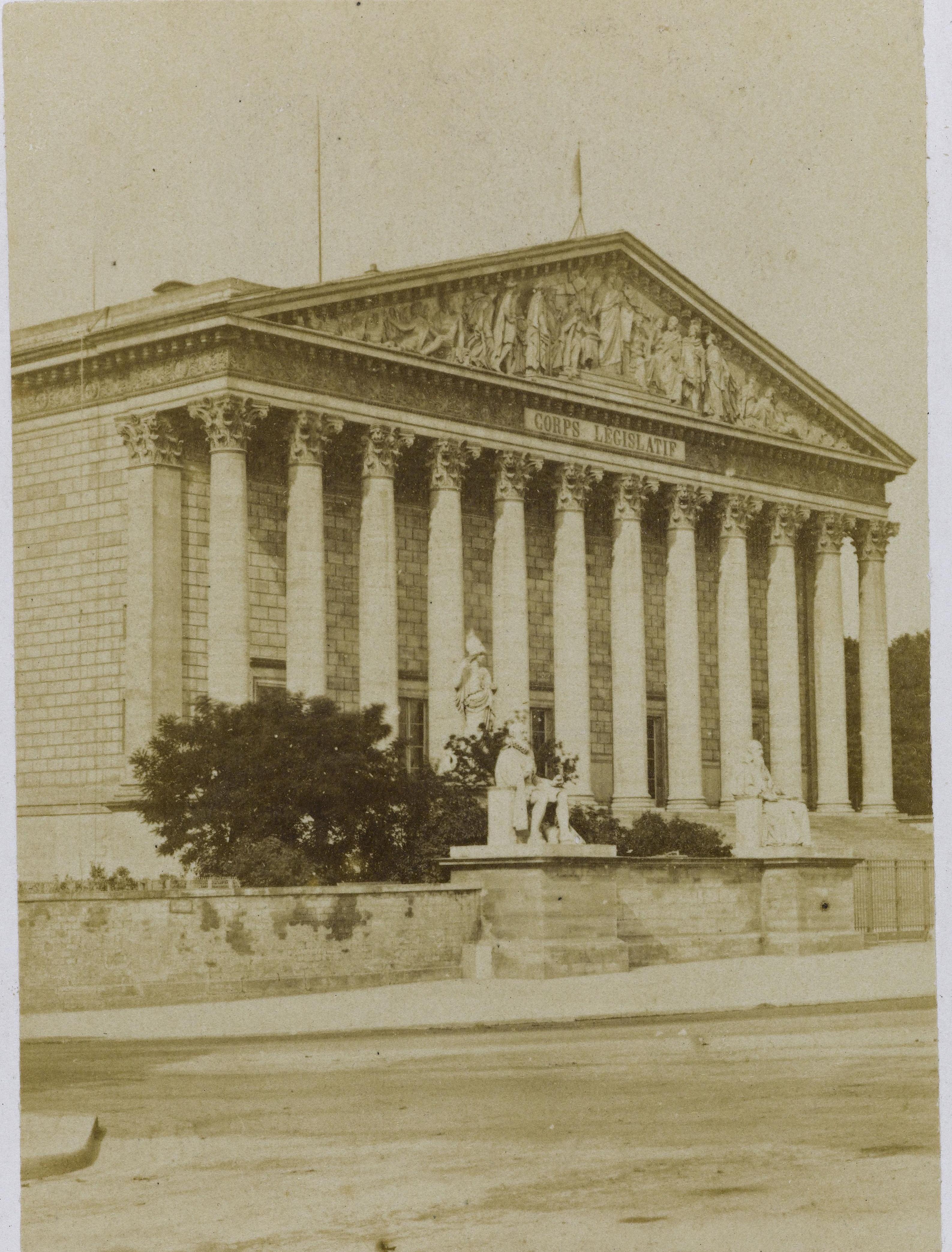 15. Дворец законодательного собрания