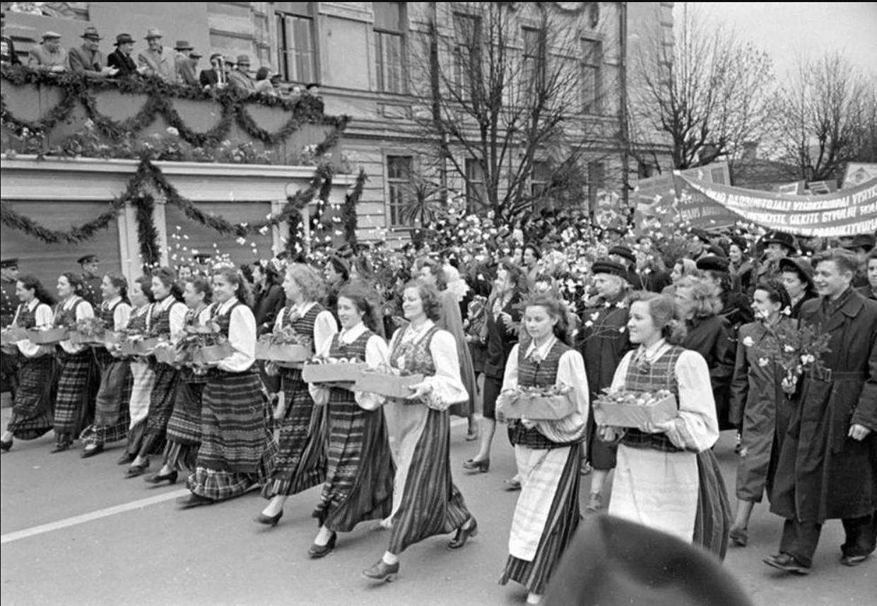 1947. Первомайская демонстрация в Вильнюсе