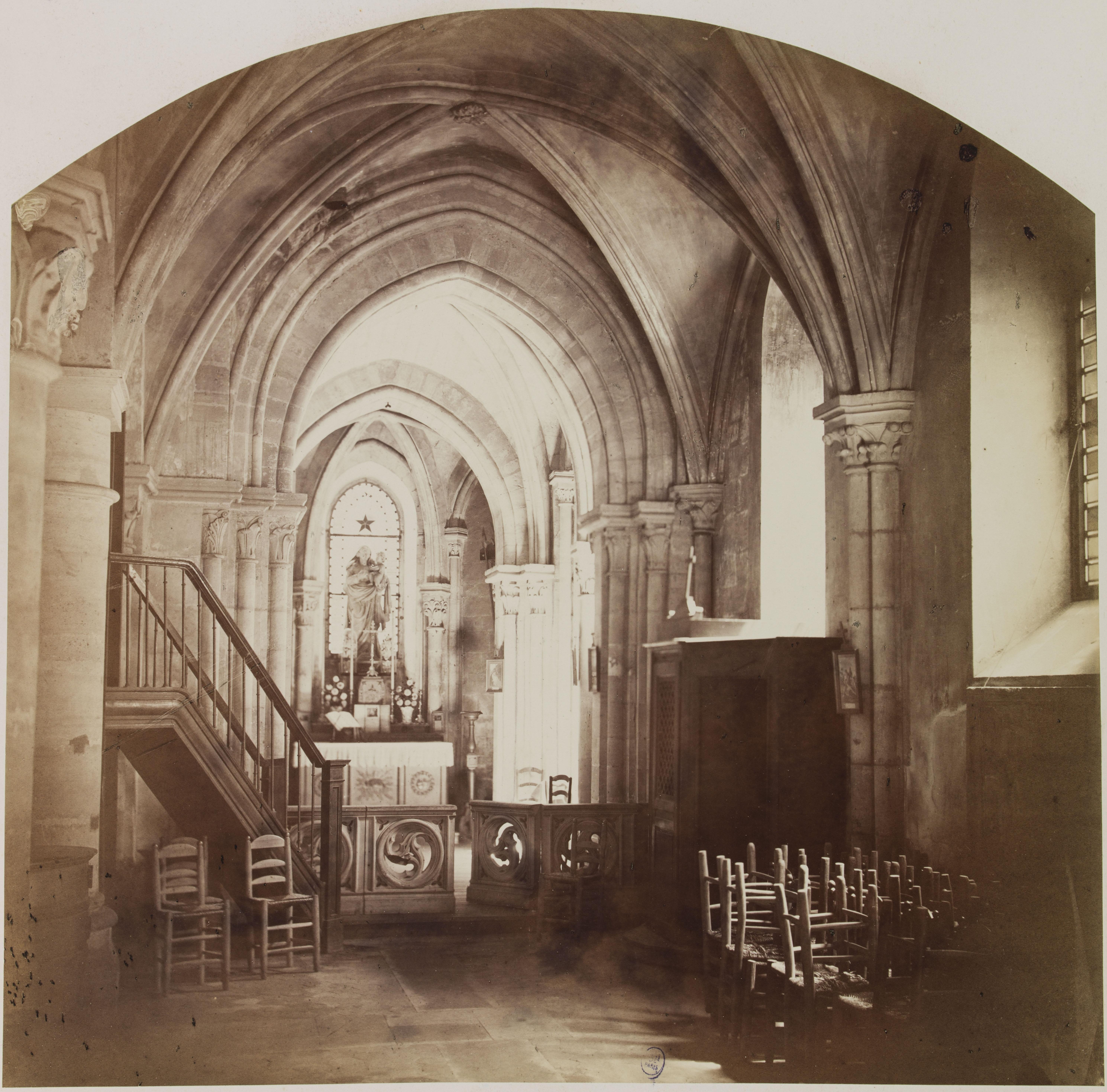 Церковь Сен-Жюльен-ле-Повр. Правый проход, вид на Часовню Богородицы