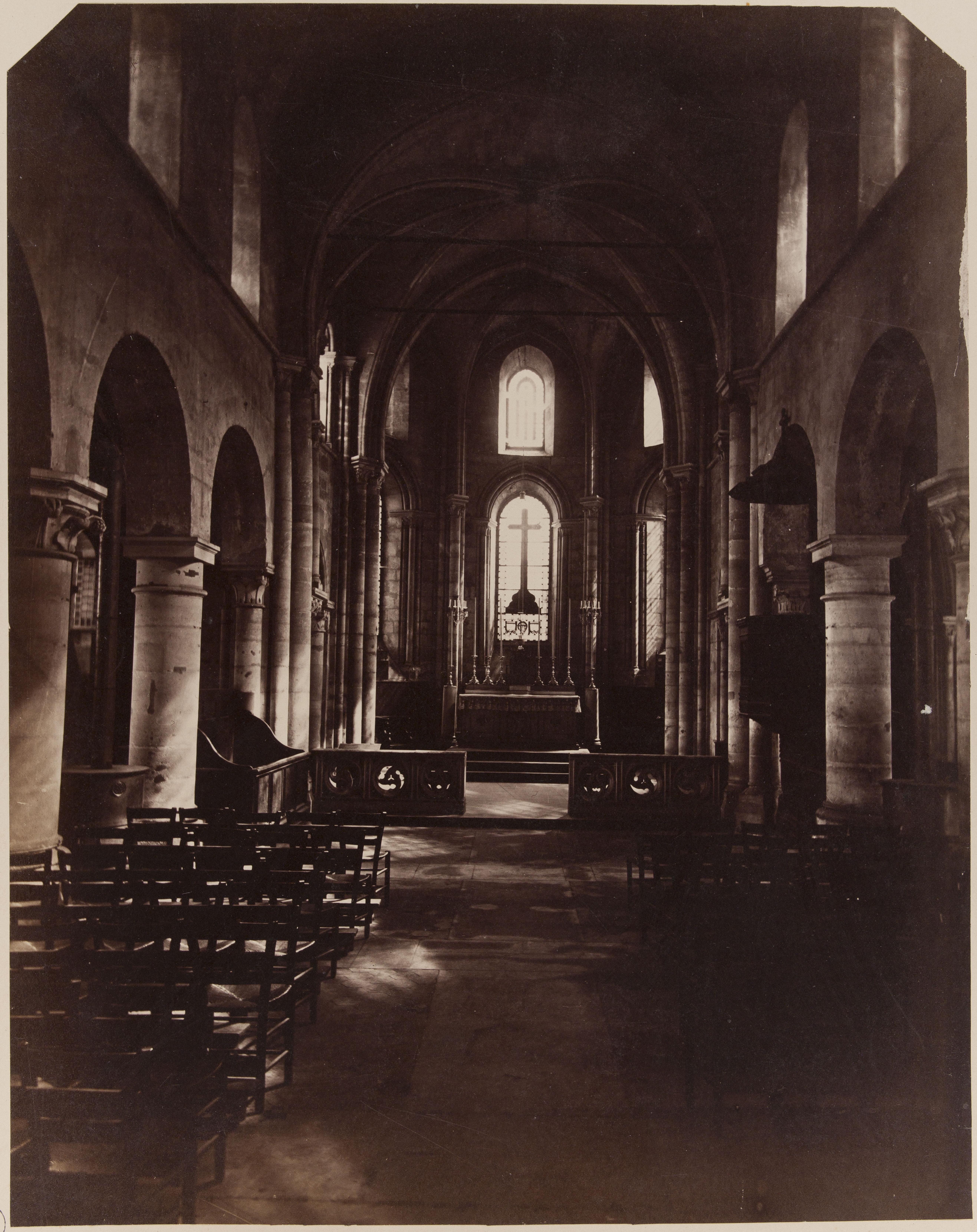 Церковь Сен-Жюльен-ле-Повр. Интерьер нефа