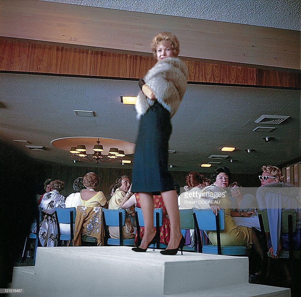 1960. Палм-Спрингс. Демонстрация модной одежды