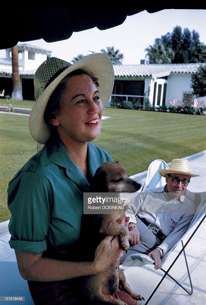 1960. Палм-Спрингс. Пара с собакой