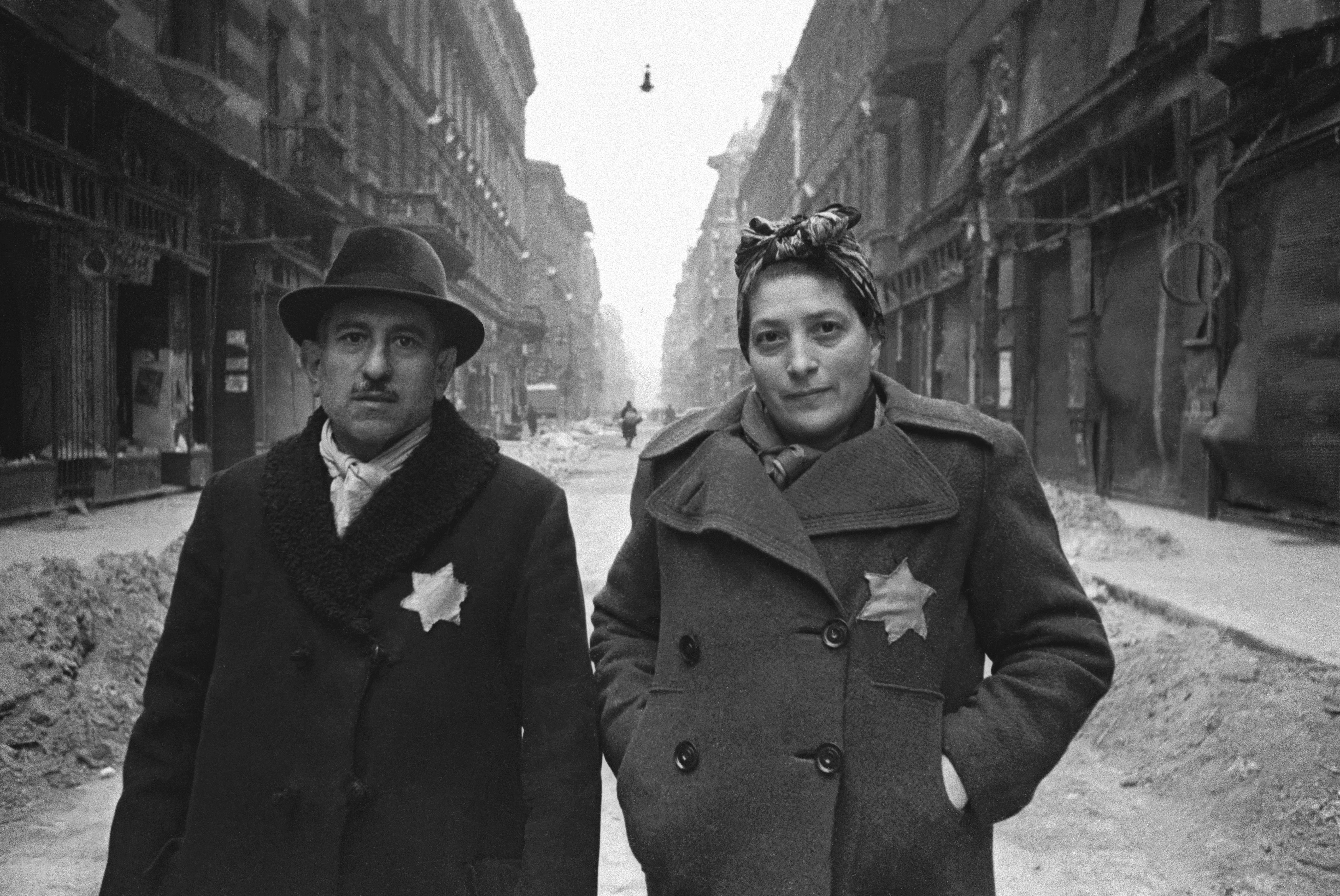 1945. Еврейская семья, освобожденная из будапештского гетто